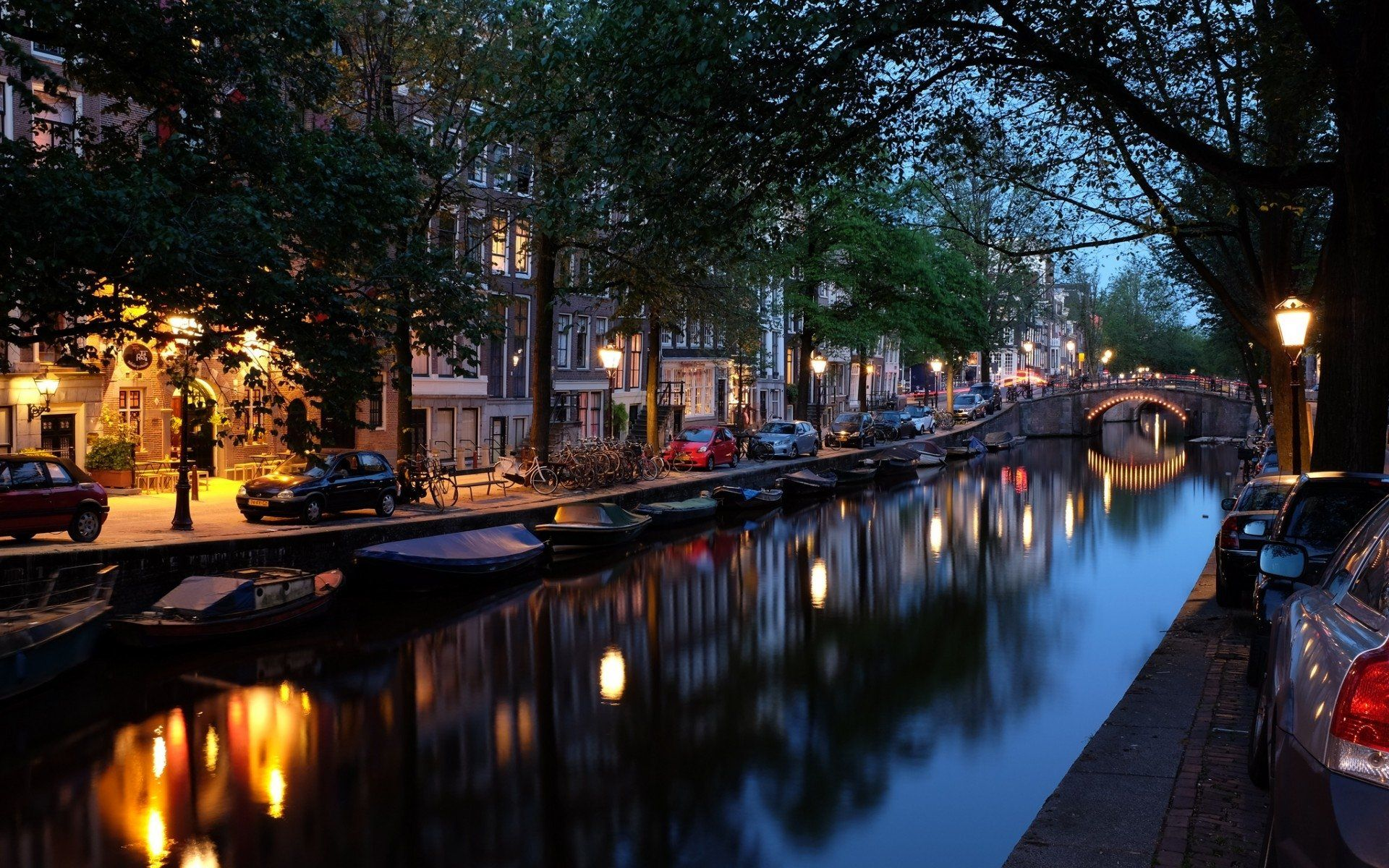 Amsterdam Desktop Wallpapers Top Free Amsterdam Desktop Backgrounds Wallpaperaccess