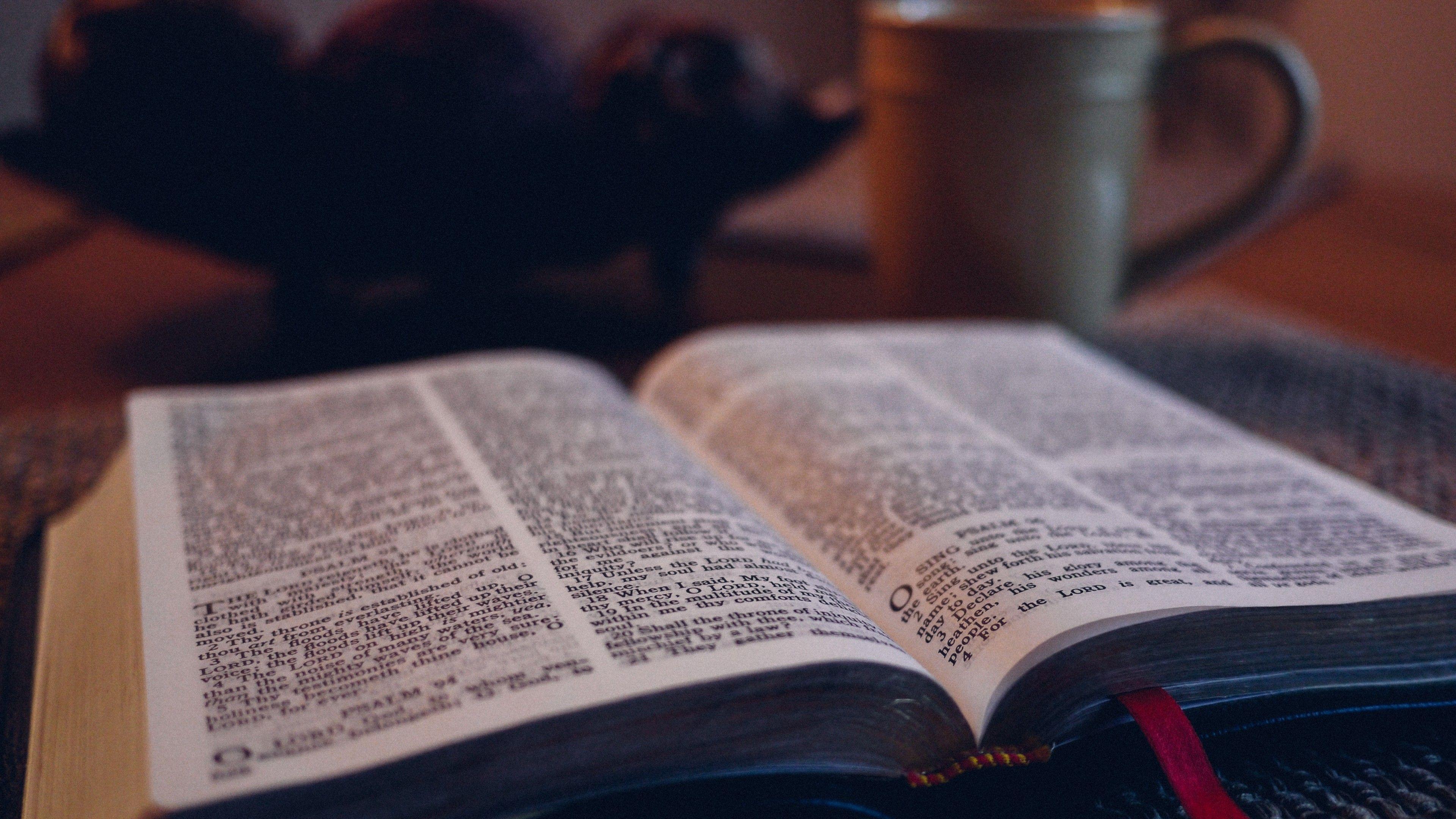 4k Bible Wallpapers Top Free 4k Bible Backgrounds Wallpaperaccess