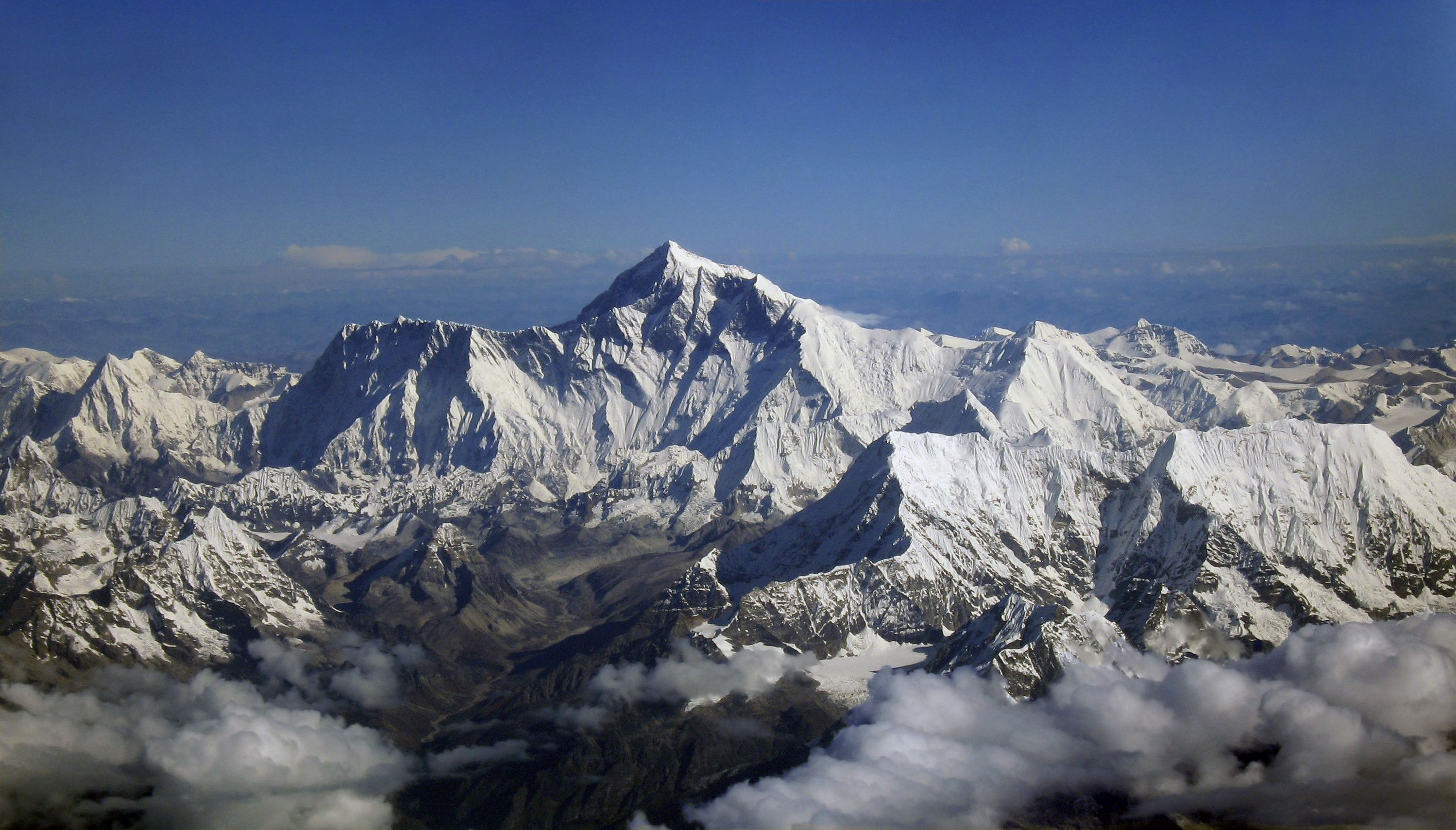 Everest Wallpapers Top Free Everest Backgrounds Wallpaperaccess