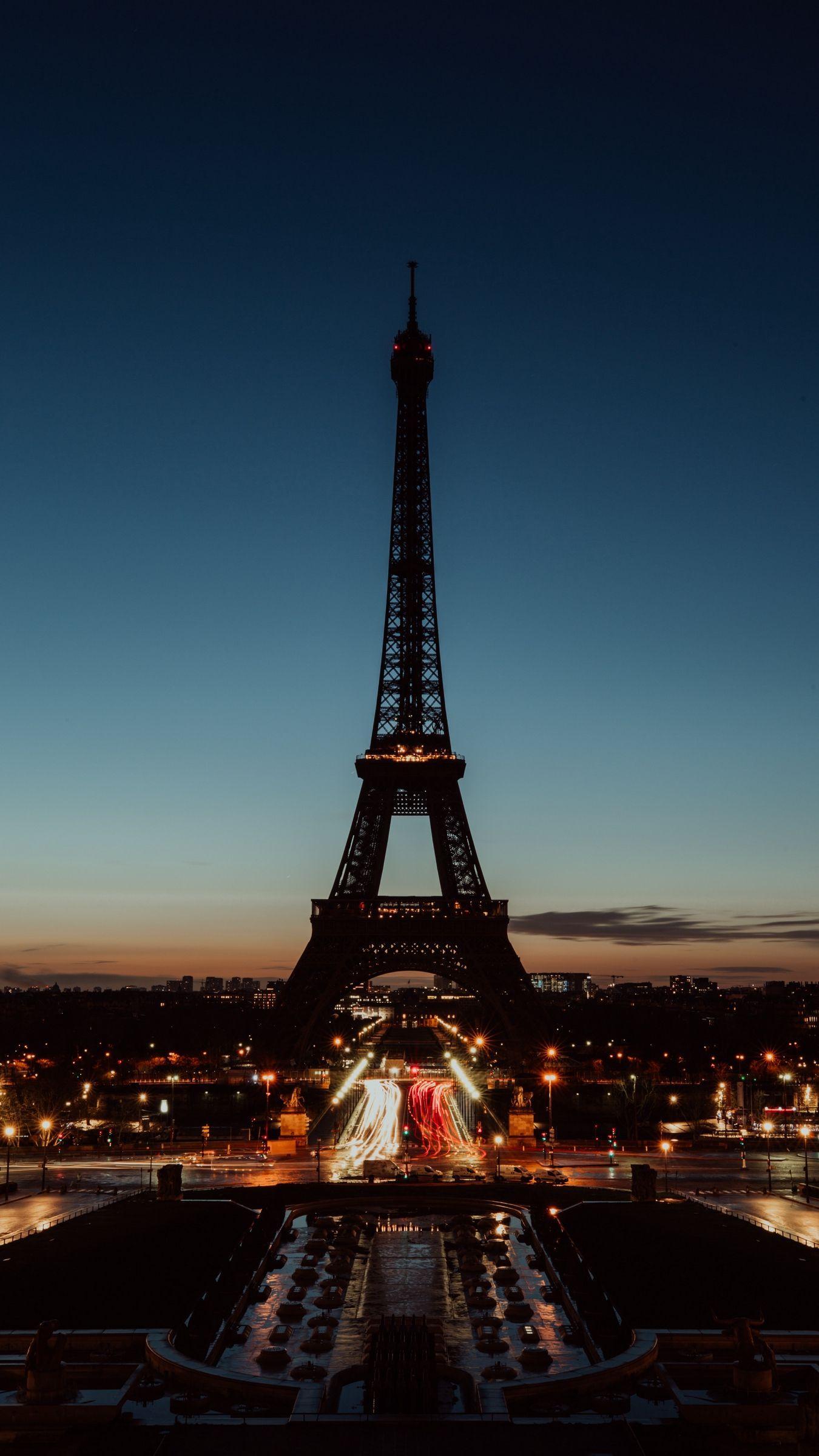Night Paris Iphone Wallpapers Top Free Night Paris Iphone Backgrounds Wallpaperaccess