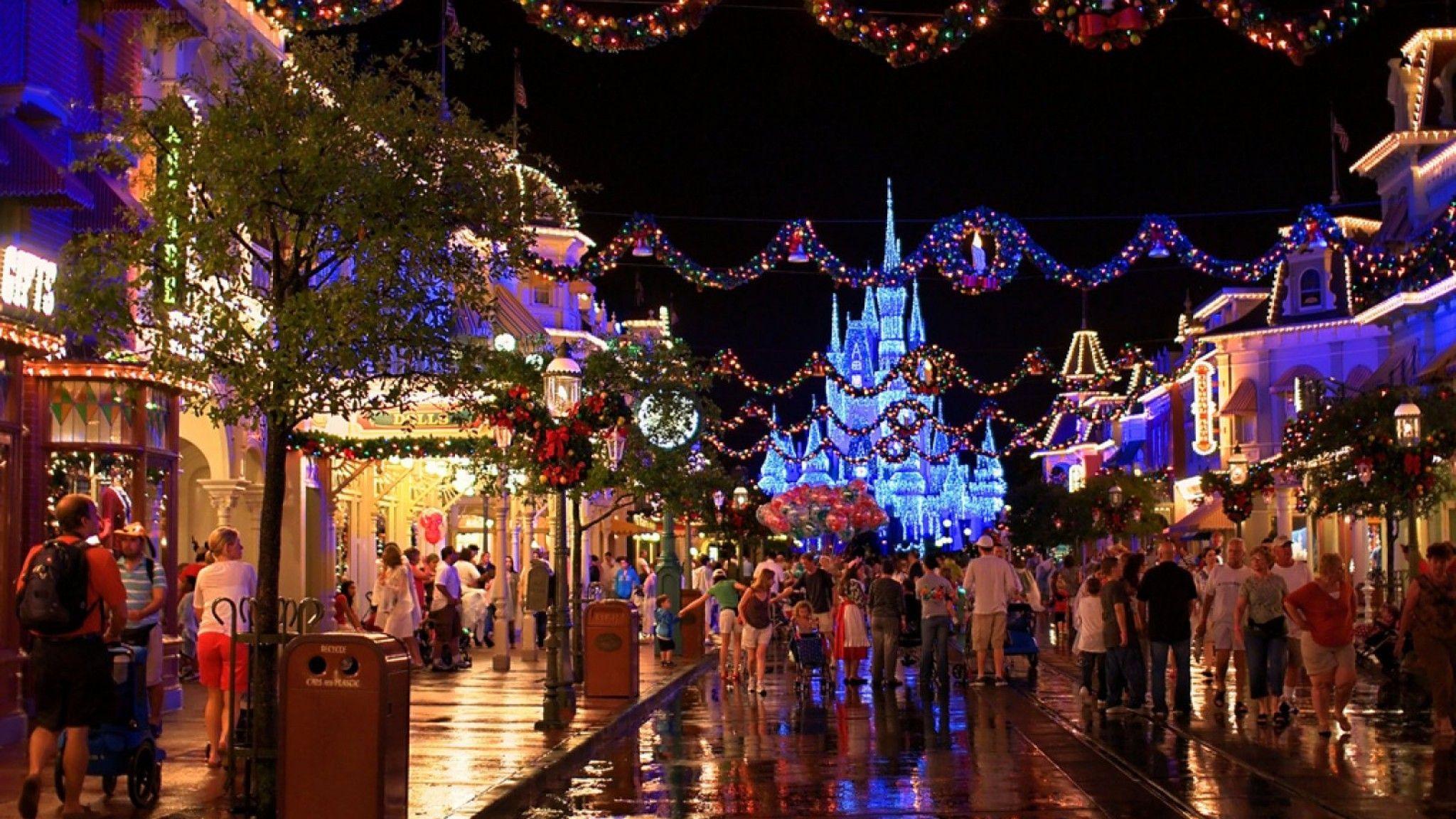 Disney World Christmas Wallpapers Top Free Disney World Christmas Backgrounds Wallpaperaccess