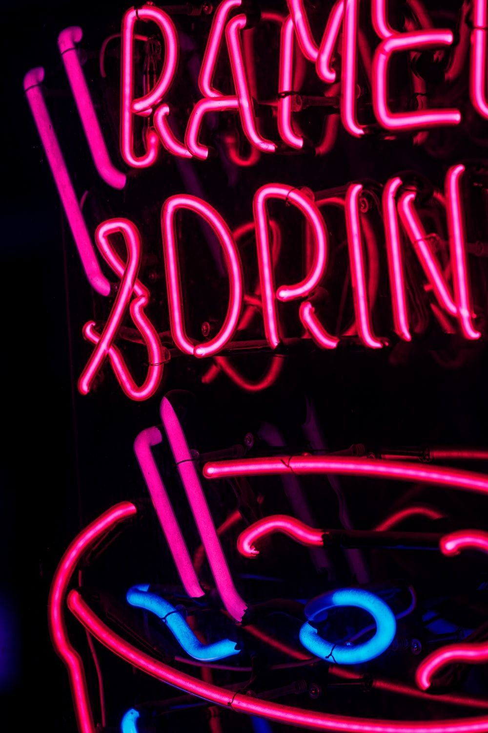 Neon Pink Wallpapers Top Free Neon Pink Backgrounds Wallpaperaccess