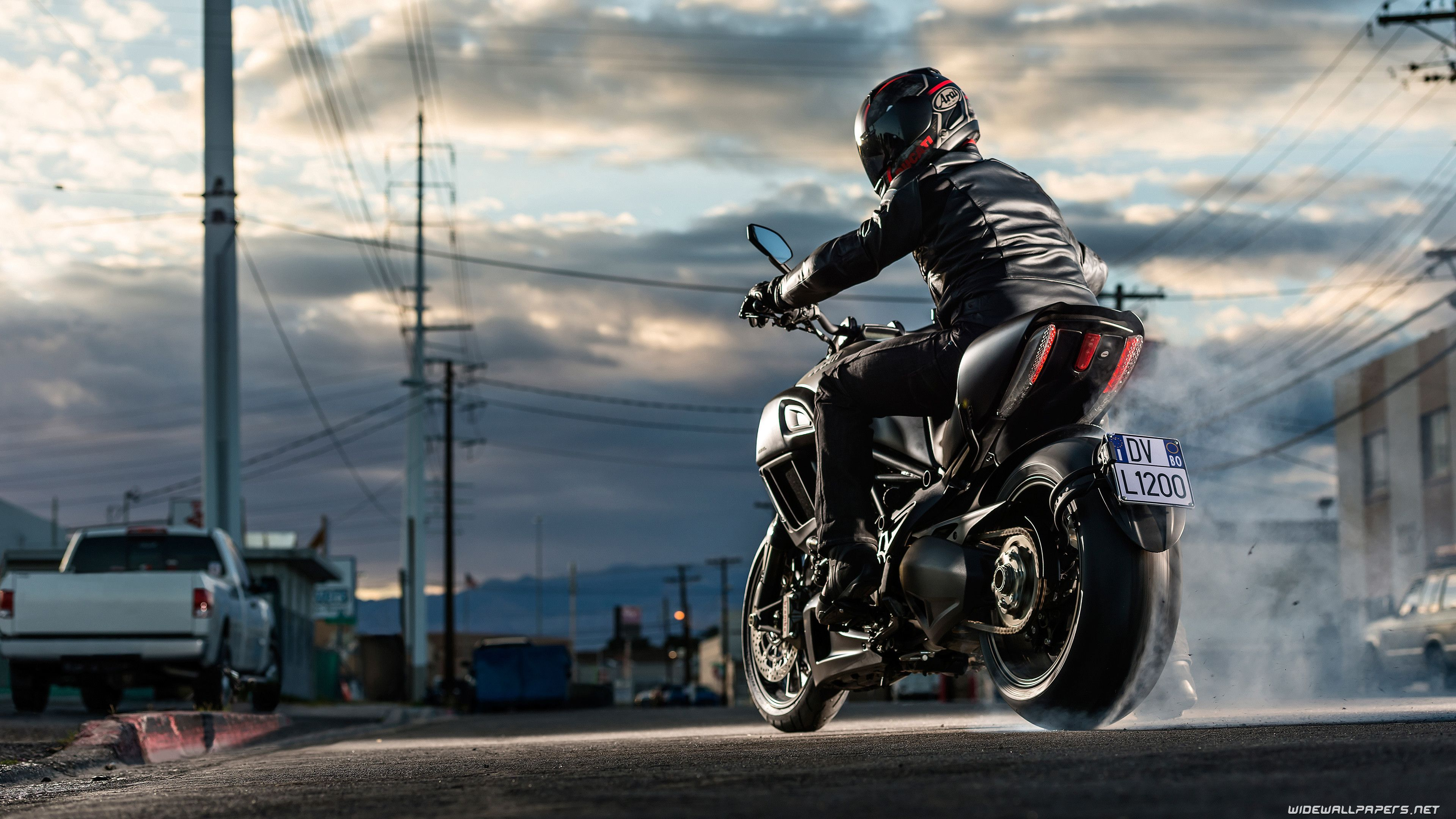 4k Motorcycle Wallpapers Top Free 4k Motorcycle Backgrounds Wallpaperaccess