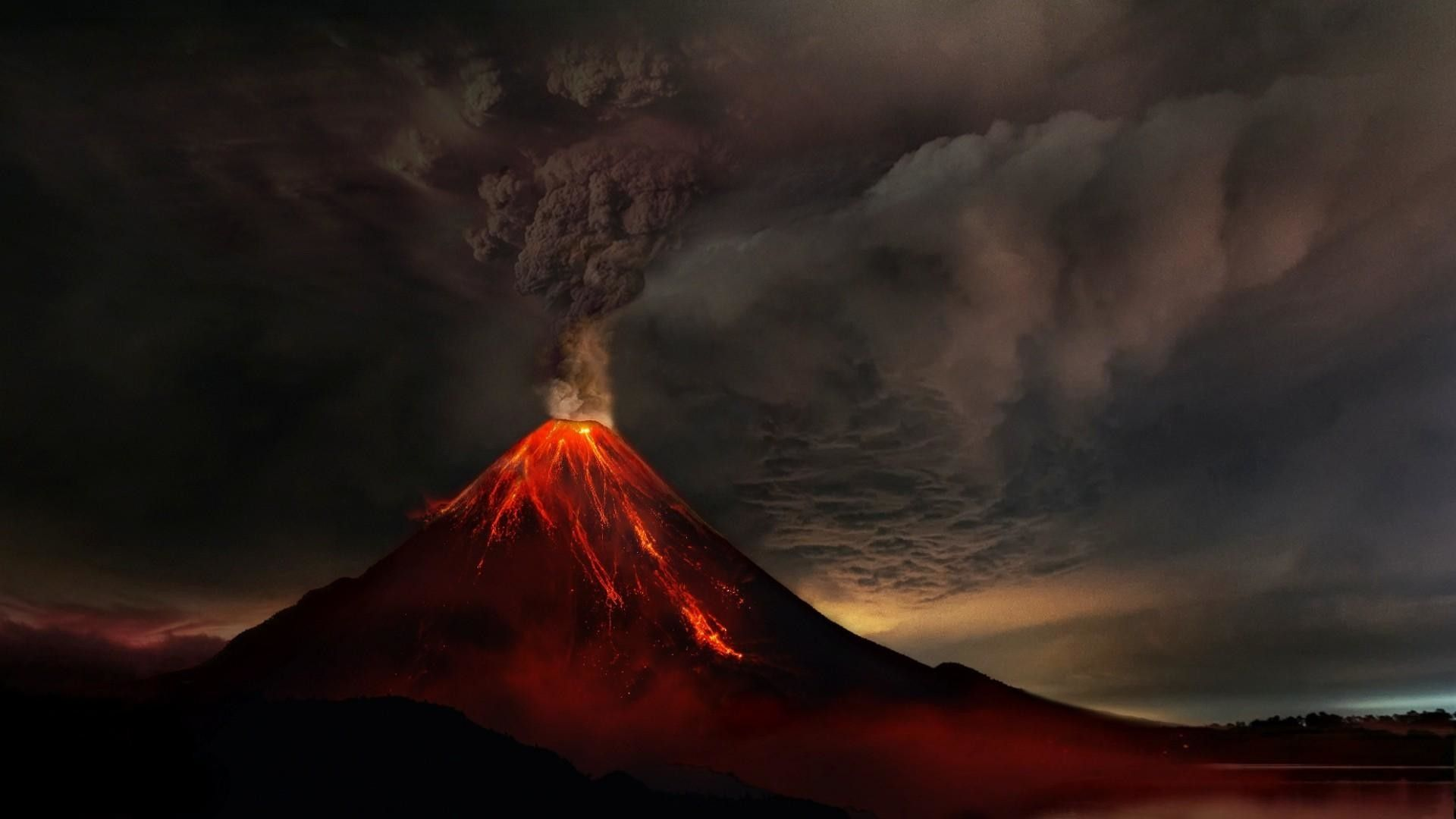 Volcano Wallpapers Top Free Volcano Backgrounds Wallpaperaccess
