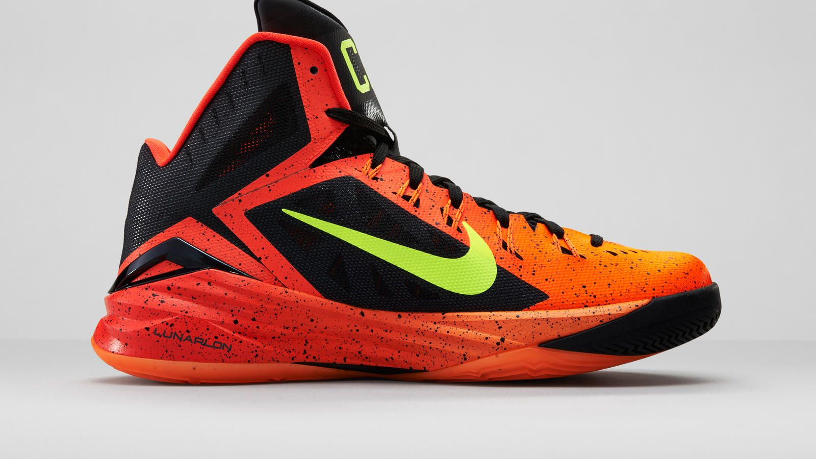 detailing 1f7fe 5c4d9 1600x900 Nike Hyperdunk 2014 City Pack Takes the Court at World Basketball .
