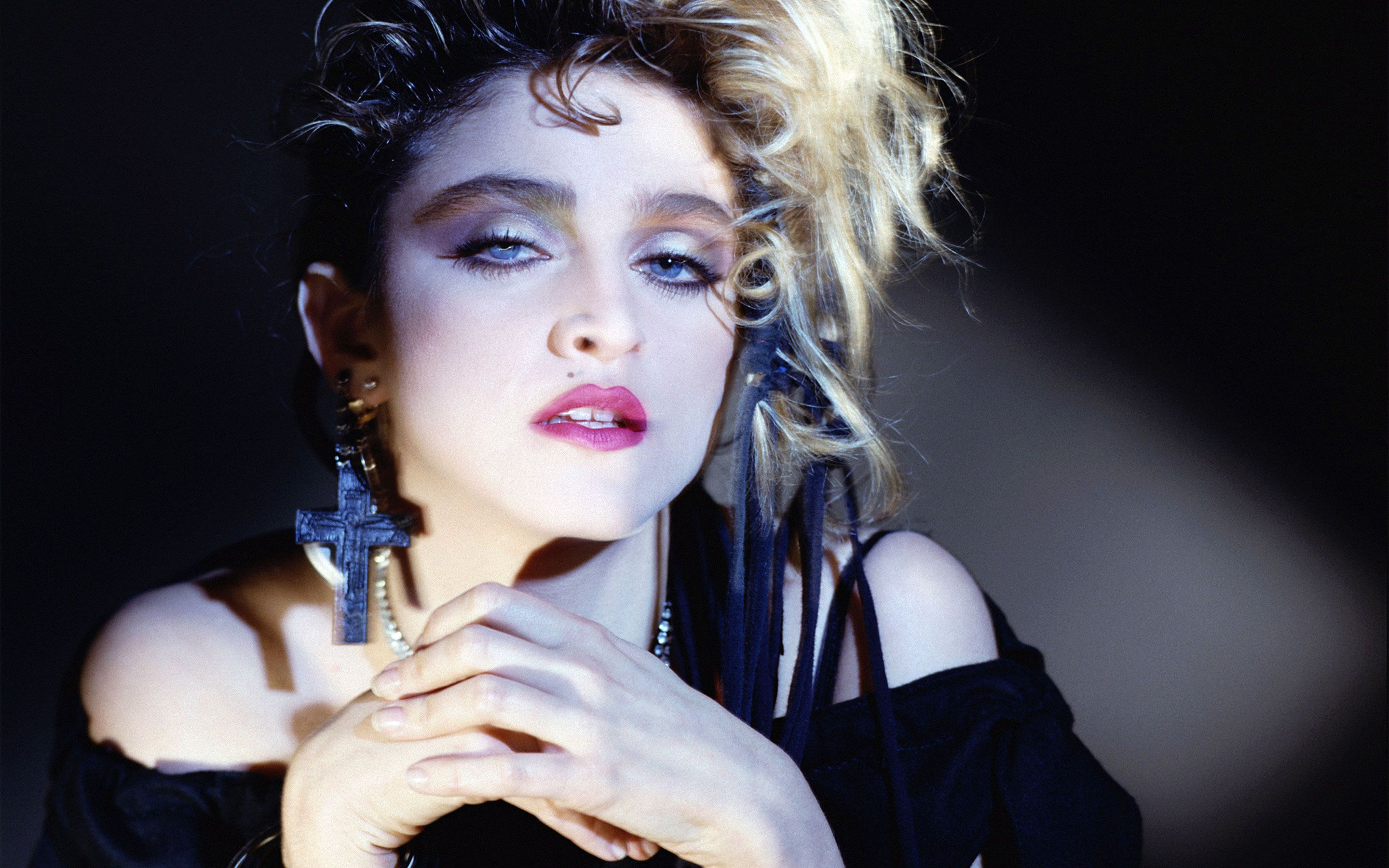 Madonna Wallpapers Top Free Madonna Backgrounds Wallpaperaccess