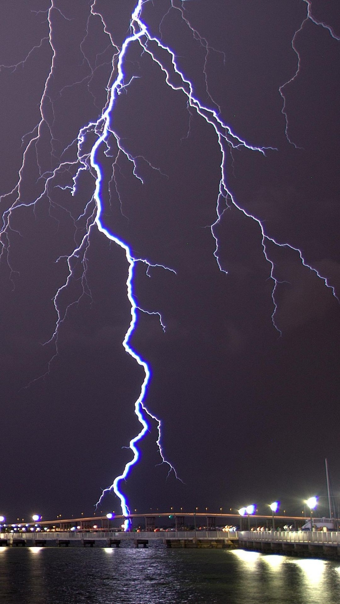 Lightning wallpapers top free lightning backgrounds - Lighting strike wallpaper ...