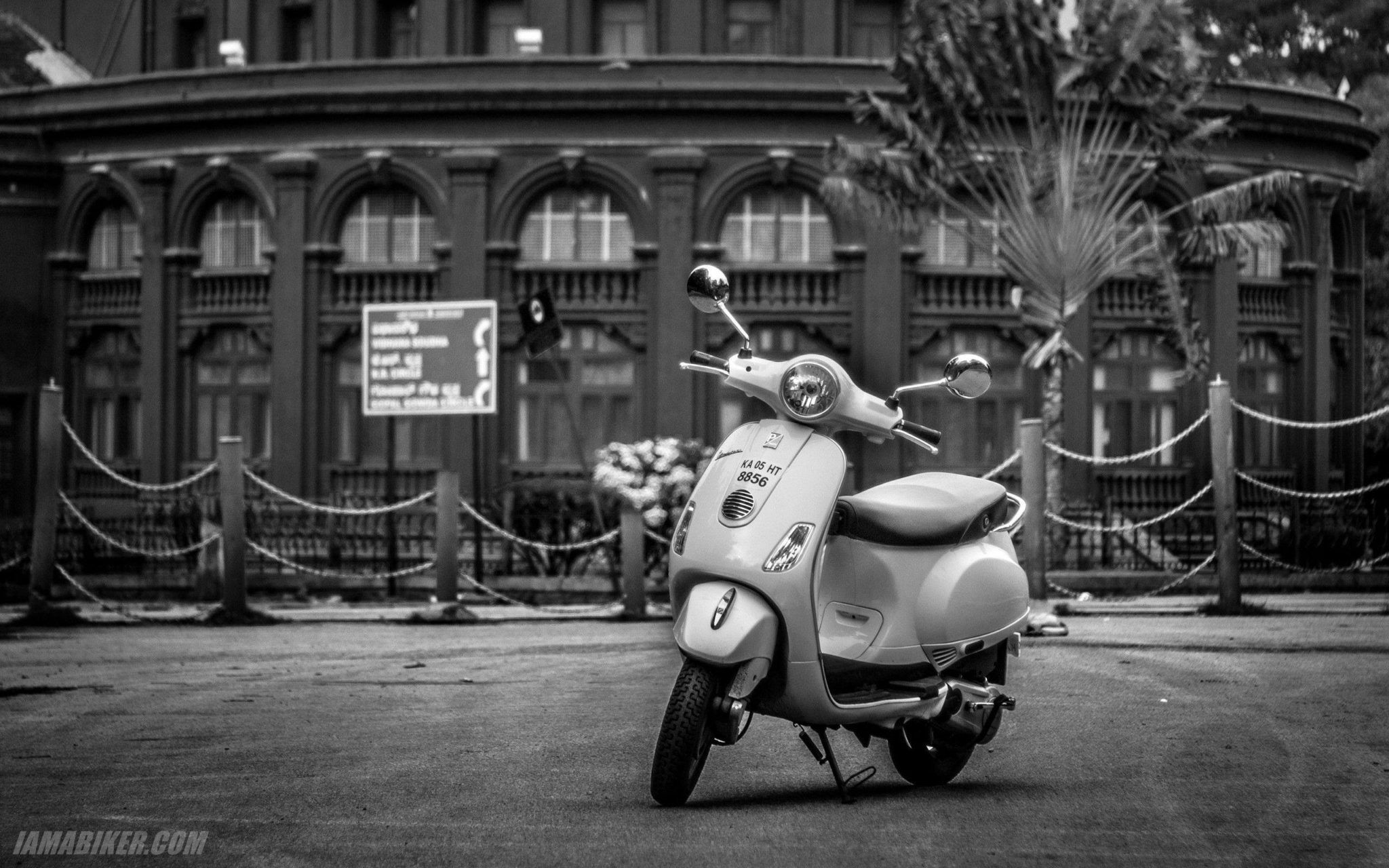Vespa Wallpapers Top Free Vespa Backgrounds Wallpaperaccess