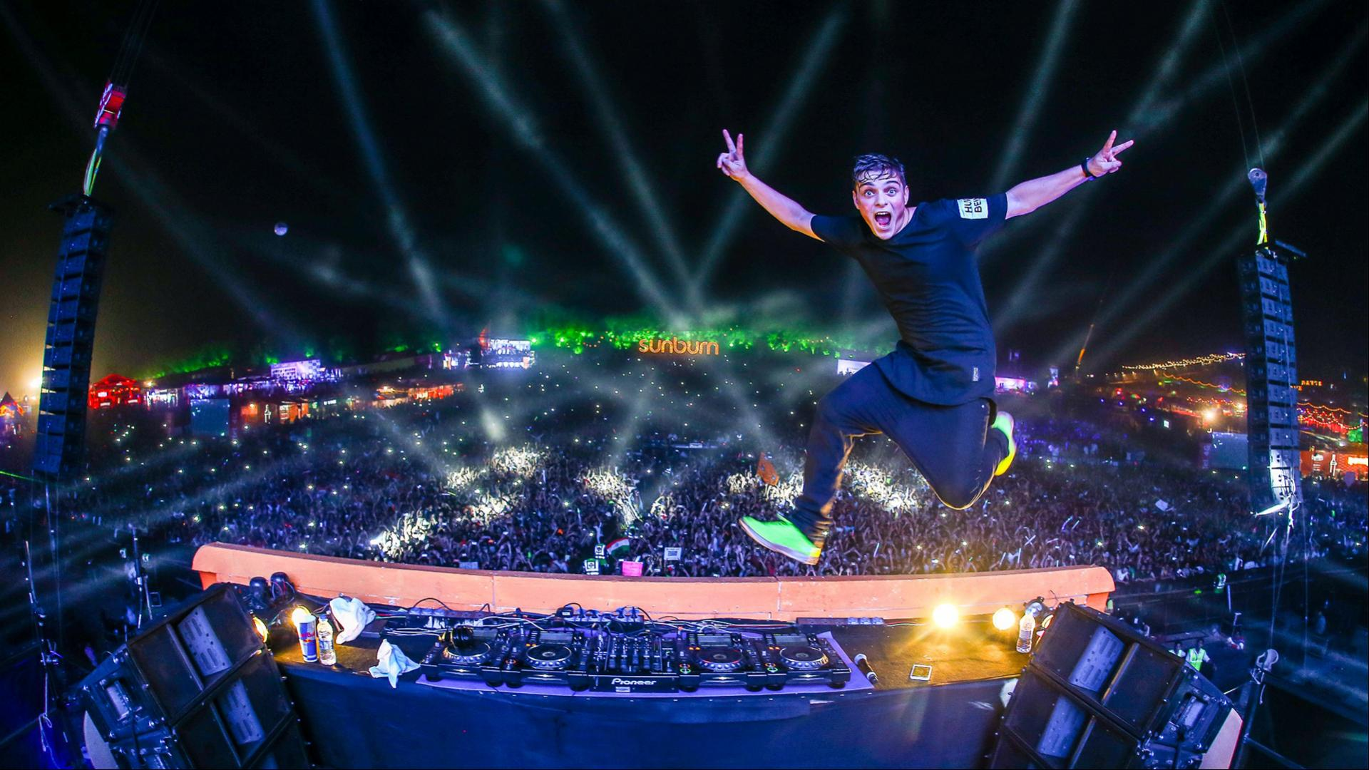 Martin Garrix Wallpapers Top Free Martin Garrix Backgrounds Wallpaperaccess