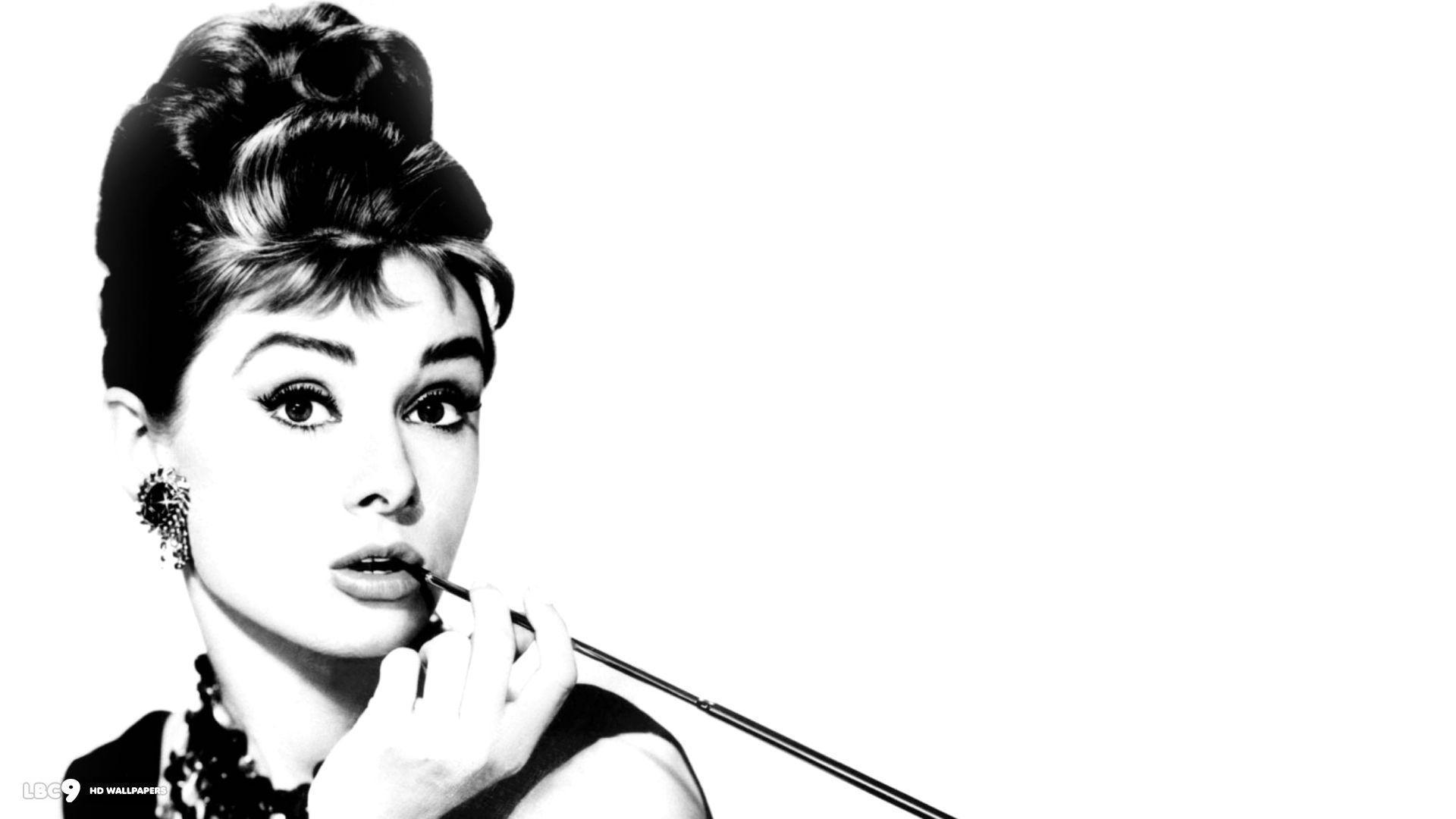 Audrey Hepburn Wallpapers Top Free Audrey Hepburn