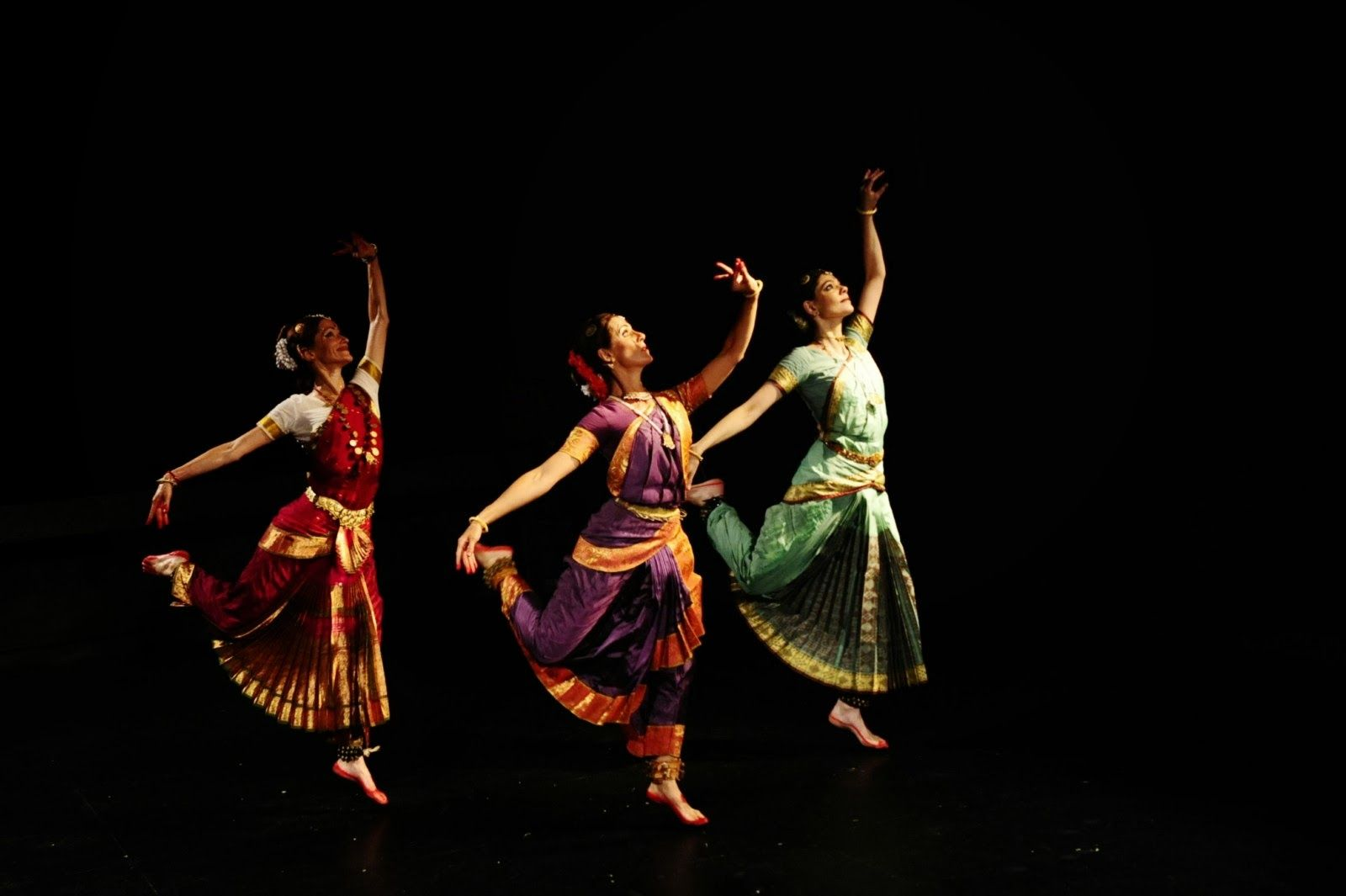 Indian Dance Wallpapers Top Free Indian Dance Backgrounds Wallpaperaccess