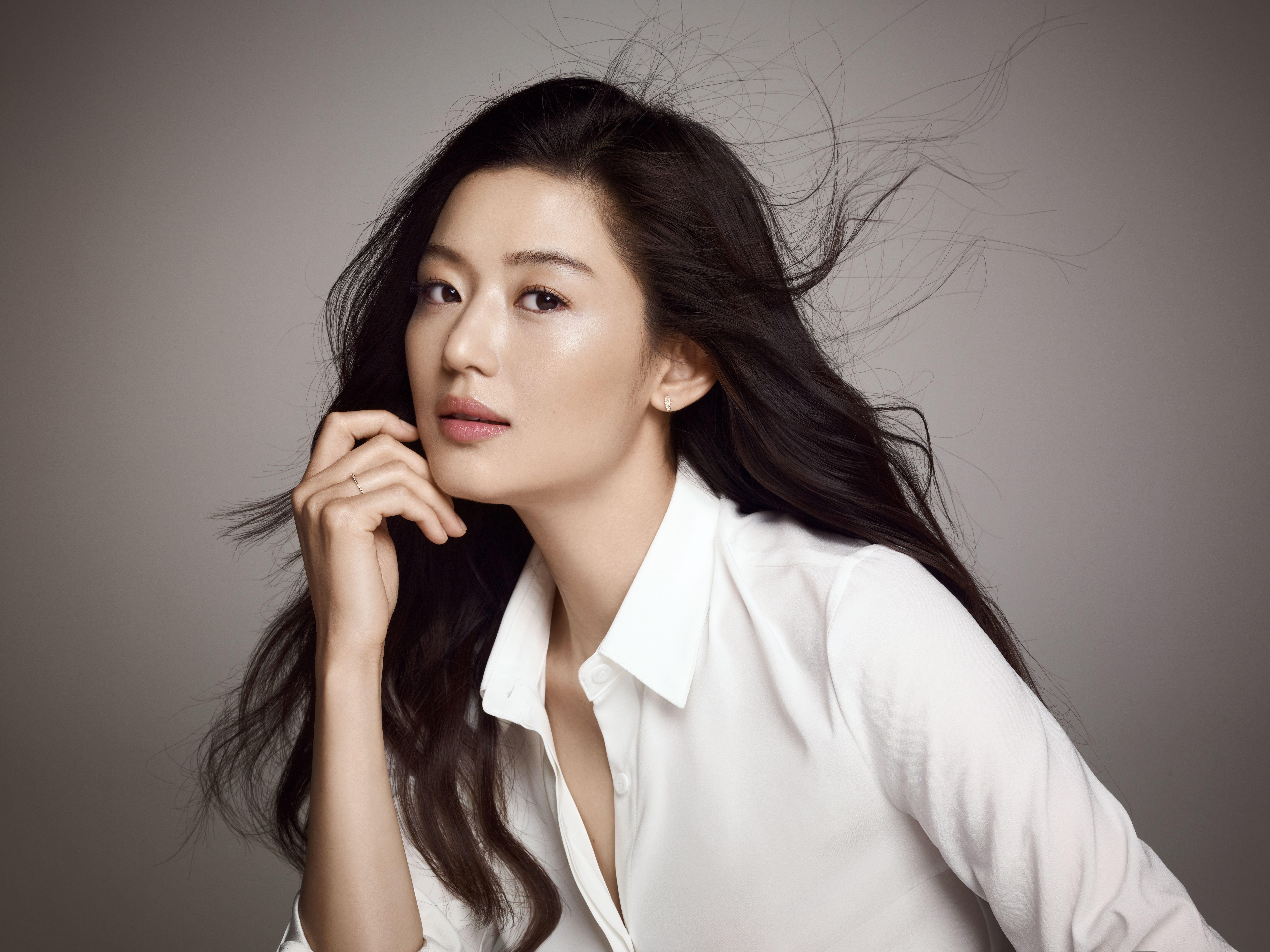 Jun Ji-Hyun Pictures