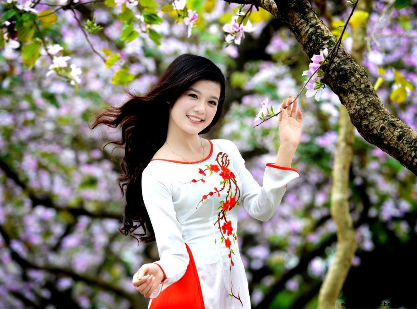 Woman Beautiful Nature Wallpapers Top Free Woman Beautiful Nature Backgrounds Wallpaperaccess