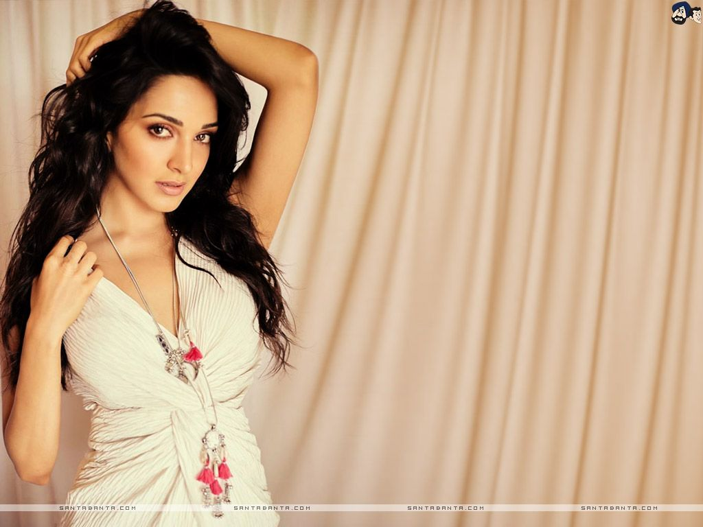 Kiara Advani Wallpapers Top Free Kiara Advani Backgrounds Wallpaperaccess