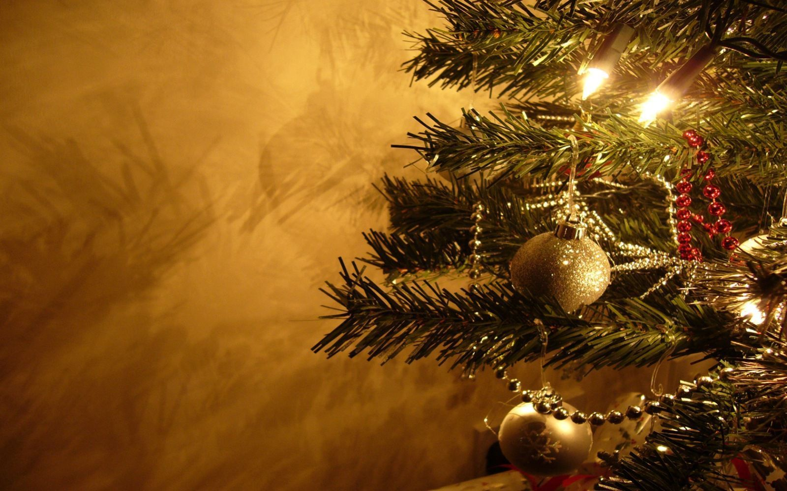 Christmas Pc Wallpapers Top Free Christmas Pc Backgrounds Wallpaperaccess
