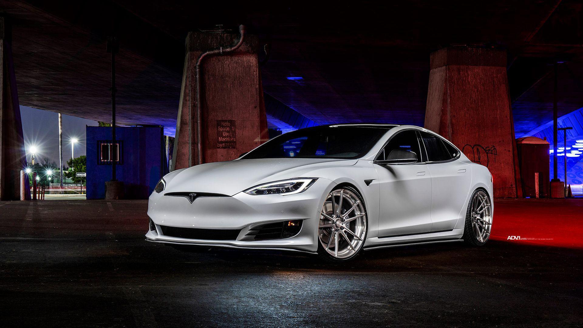 White Tesla Wallpapers Top Free White Tesla Backgrounds Wallpaperaccess