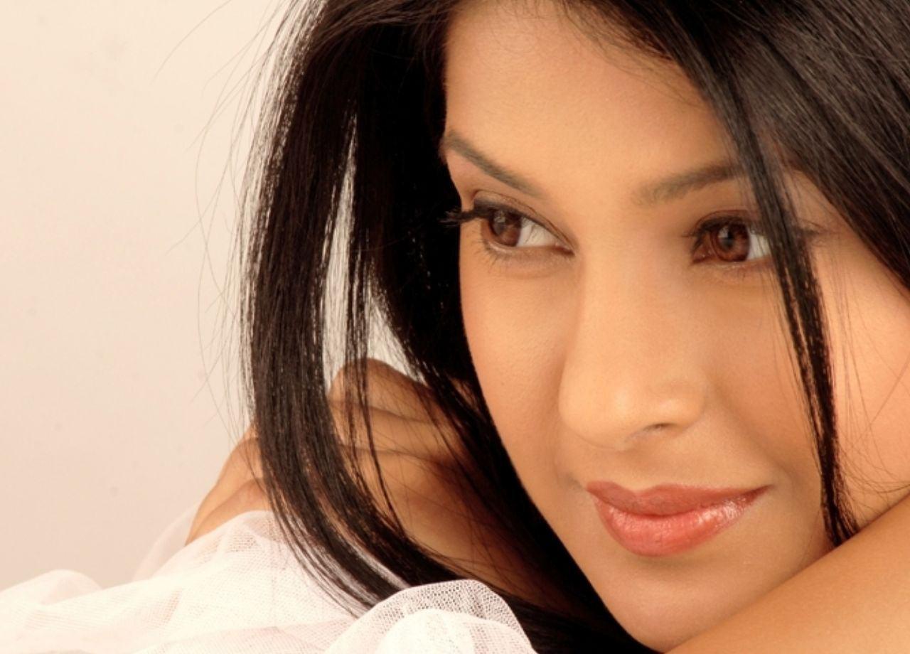Beautiful Actress Hd Wallpapers Top Free Beautiful Actress Hd Backgrounds Wallpaperaccess