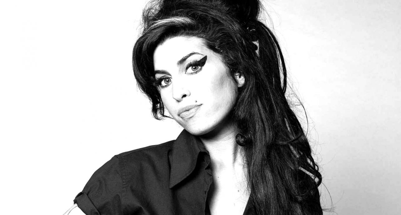 Amy Winehouse Wallpapers Top Free Amy Winehouse Backgrounds Wallpaperaccess