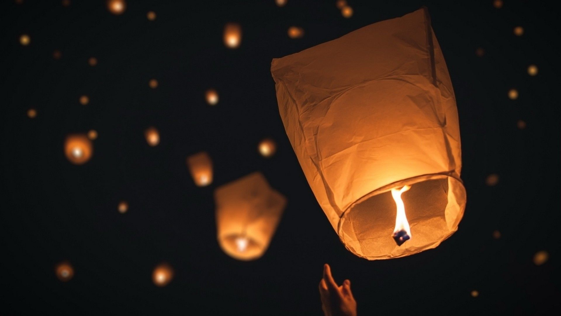 46 Best Free Floating Lanterns Wallpapers Wallpaperaccess