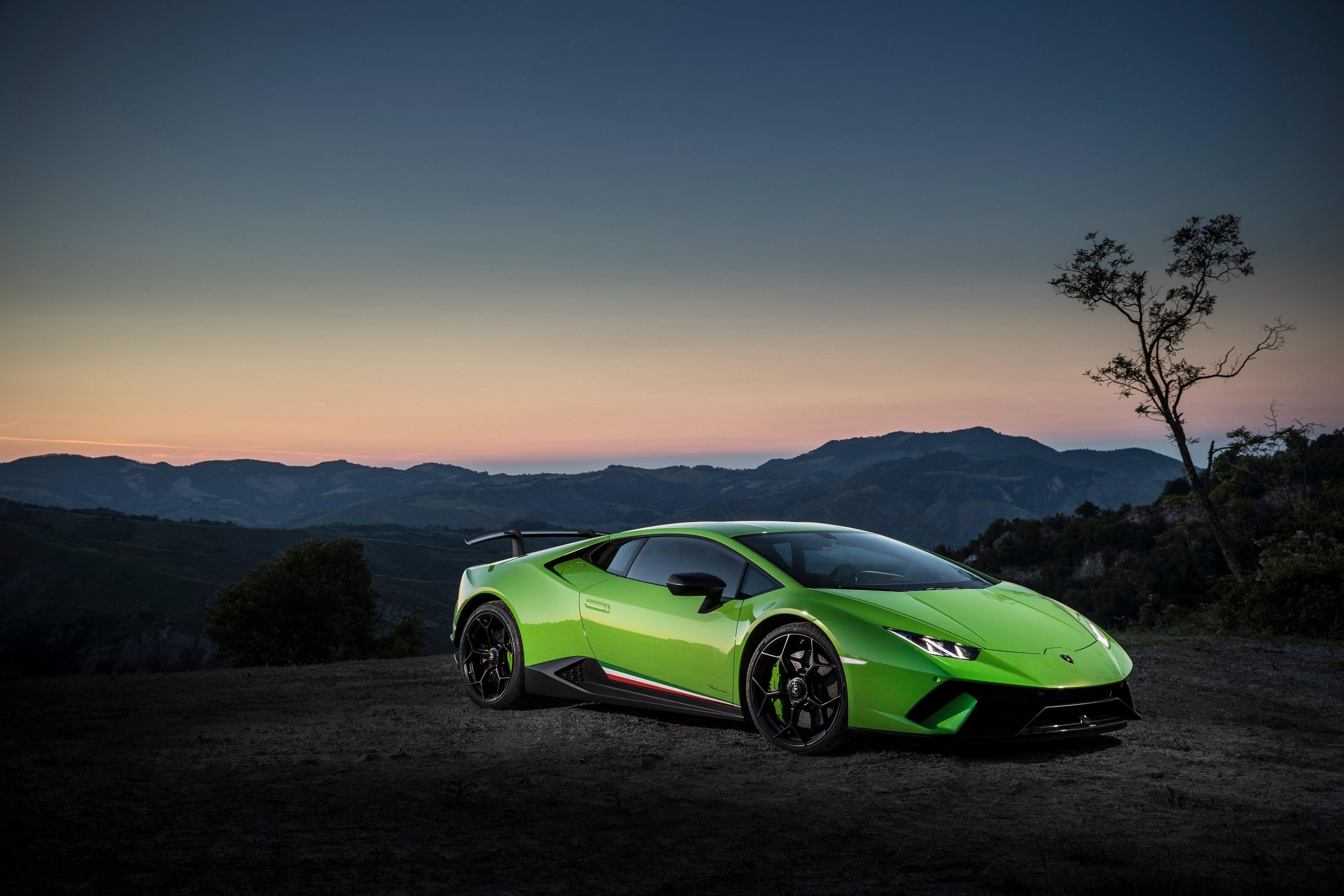 Lamborghini Huracan Wallpapers Top Free Lamborghini Huracan Backgrounds Wallpaperaccess