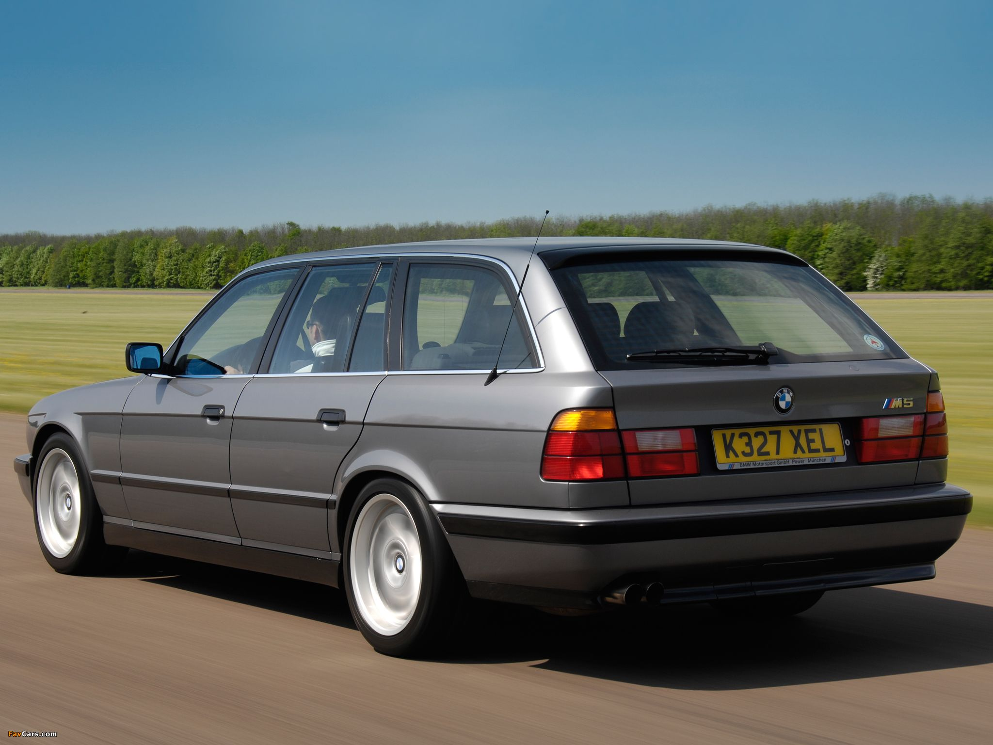 Bmw E34 Wallpapers Top Free Bmw E34 Backgrounds Wallpaperaccess