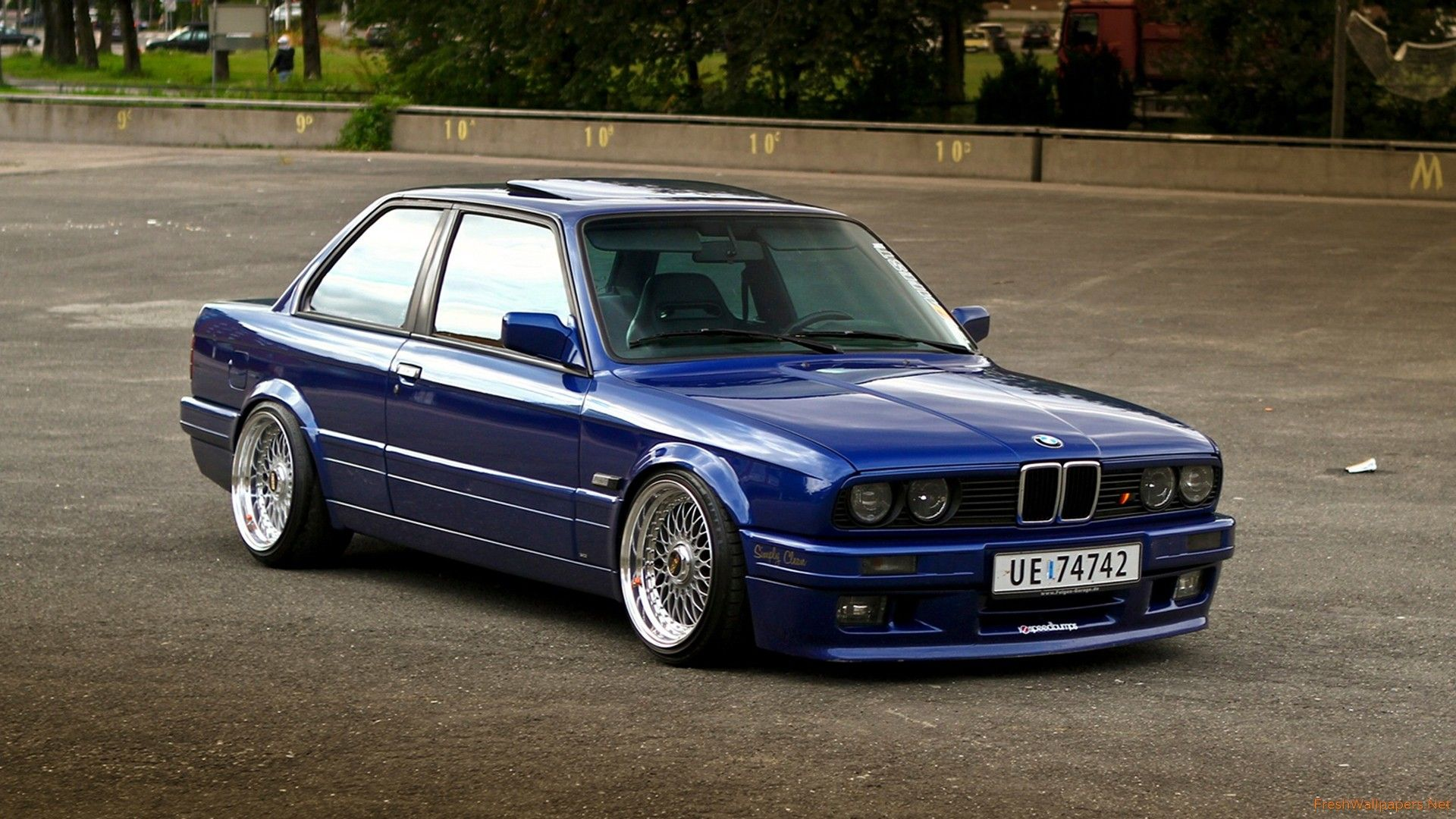 Old Bmw Wallpapers Top Free Old Bmw Backgrounds Wallpaperaccess
