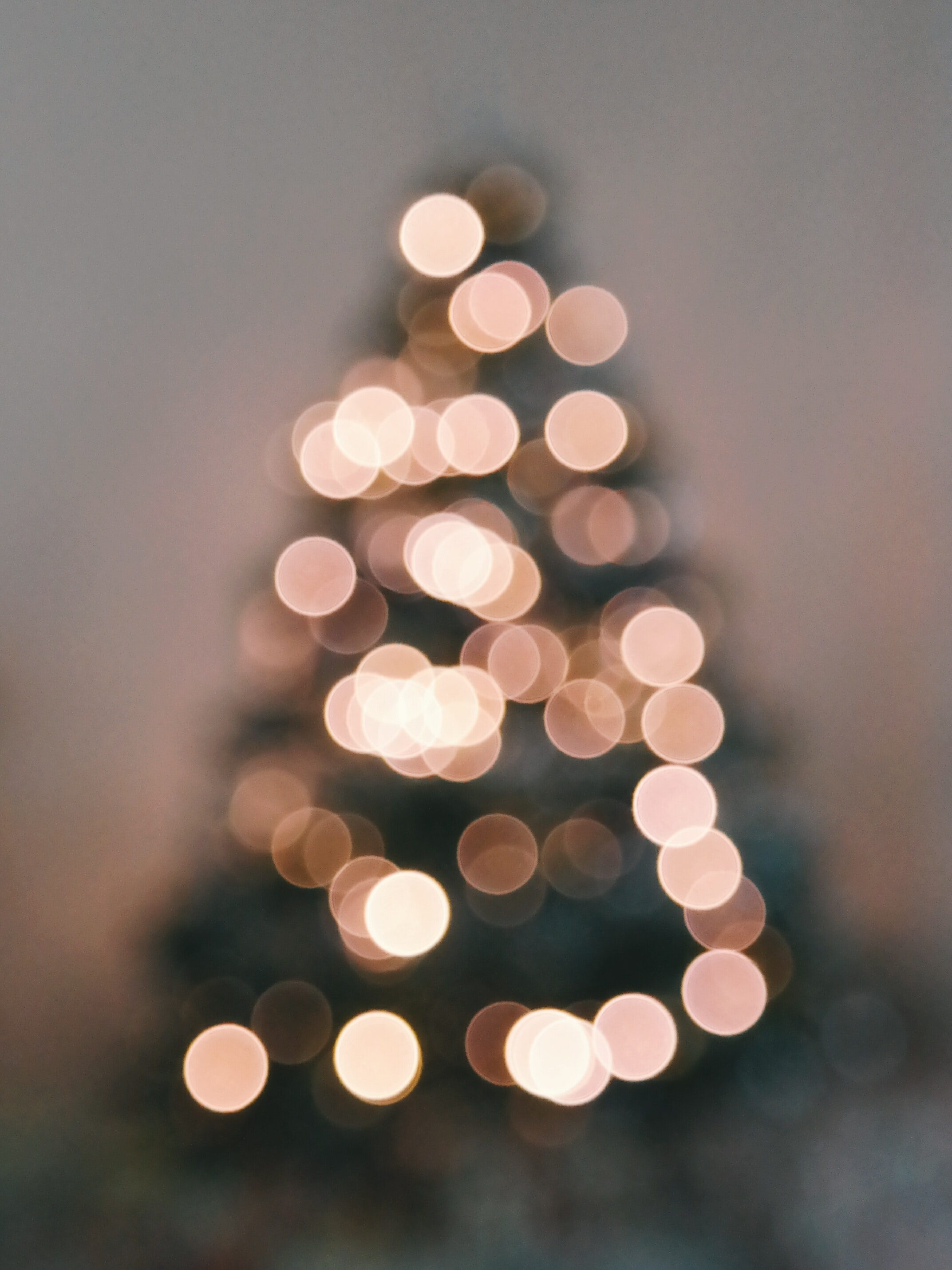 christmas tree aesthetic wallpapers top free christmas tree aesthetic backgrounds wallpaperaccess christmas tree aesthetic wallpapers
