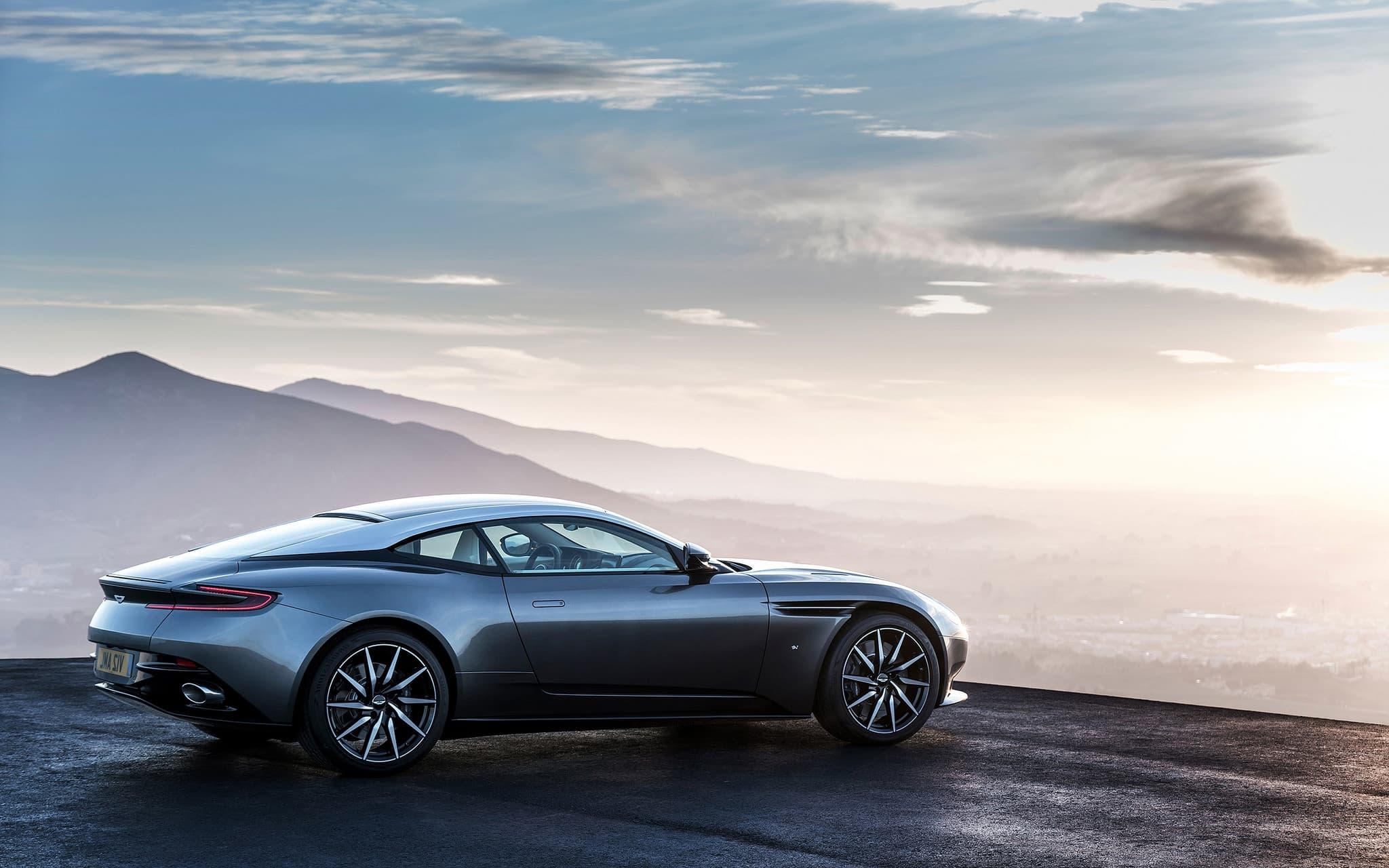 Aston Martin Db11 Wallpapers Top Free Aston Martin Db11 Backgrounds Wallpaperaccess