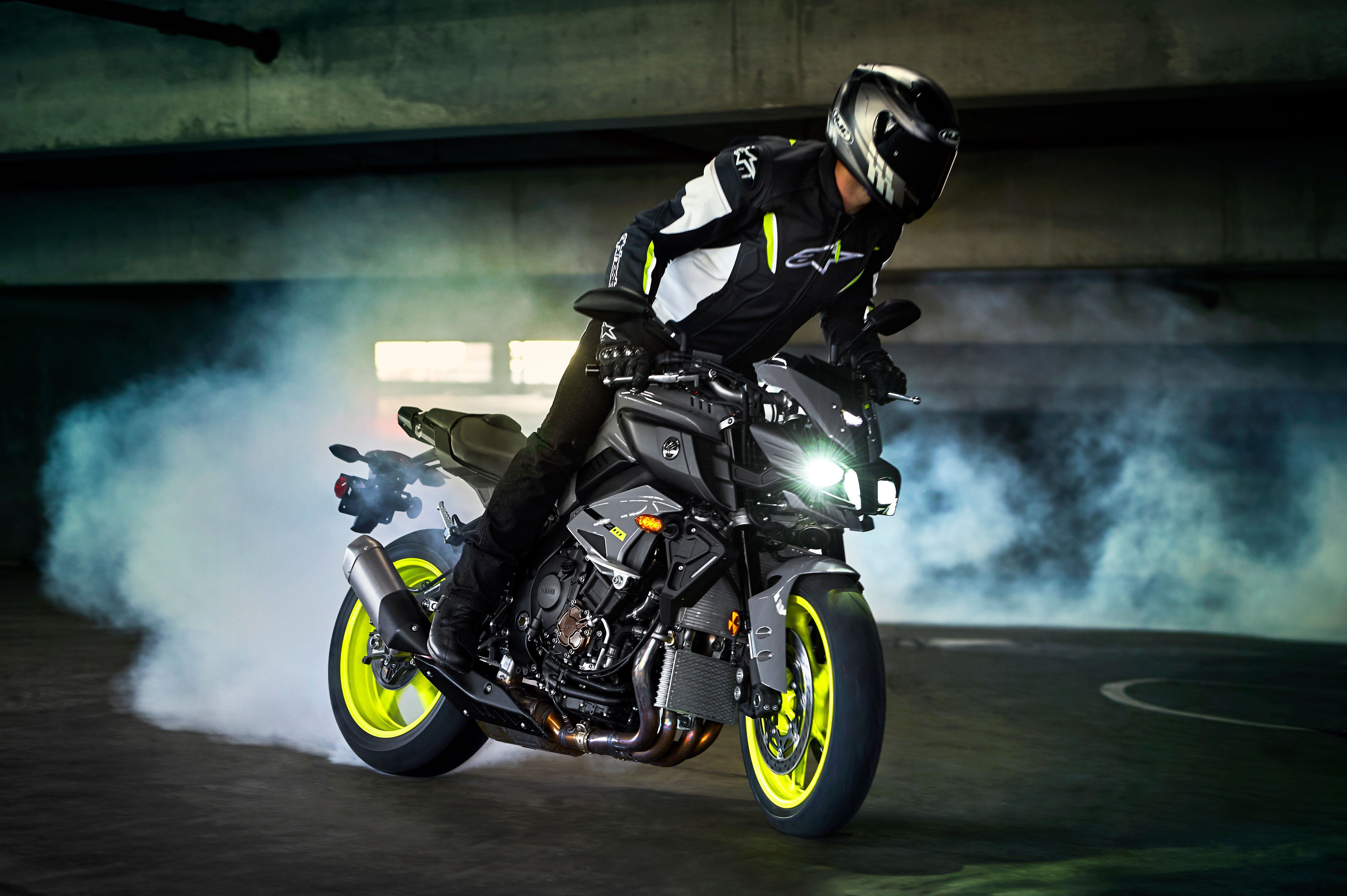 Top Free Sport Bikes Backgrounds