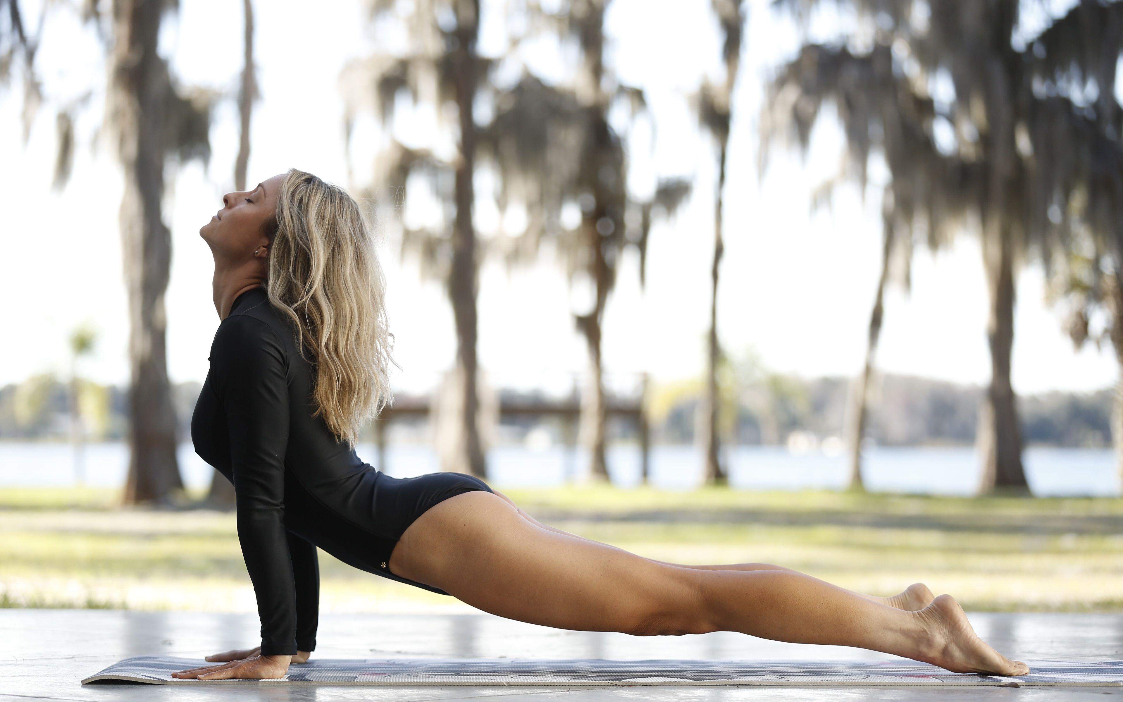 Morning yoga hot girls Yoga Girl Wallpapers Top Free Yoga Girl Backgrounds Wallpaperaccess