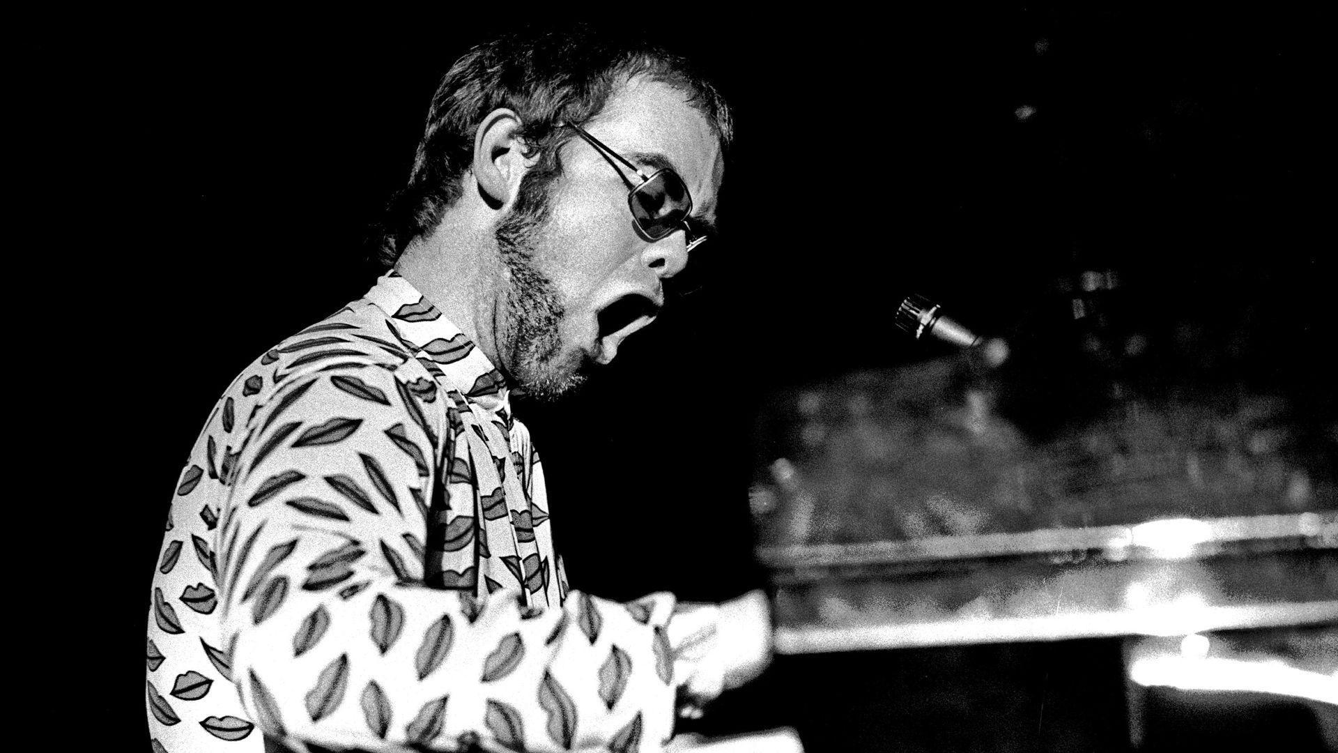 Elton John Wallpapers Top Free Elton John Backgrounds Wallpaperaccess