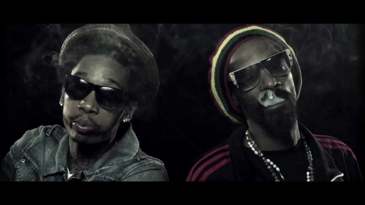 Snoop Dogg Smoking Wallpapers - Top Free Snoop Dogg Smoking