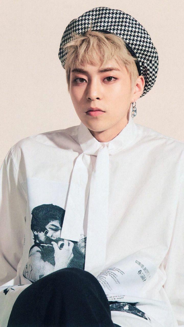 Exo Xiumin Wallpapers Top Free Exo Xiumin Backgrounds Wallpaperaccess