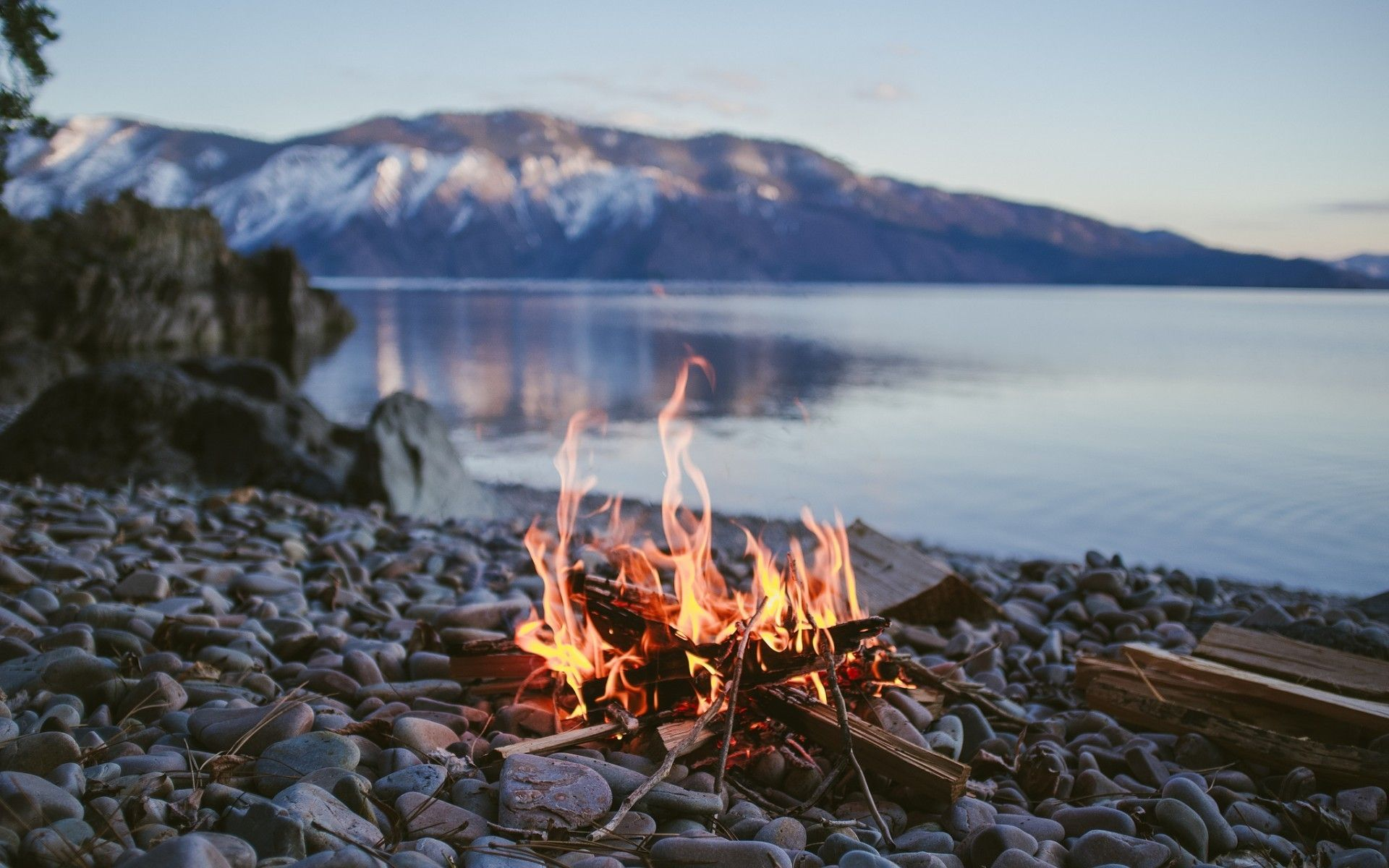 Campfire Wallpapers Top Free Campfire Backgrounds Wallpaperaccess
