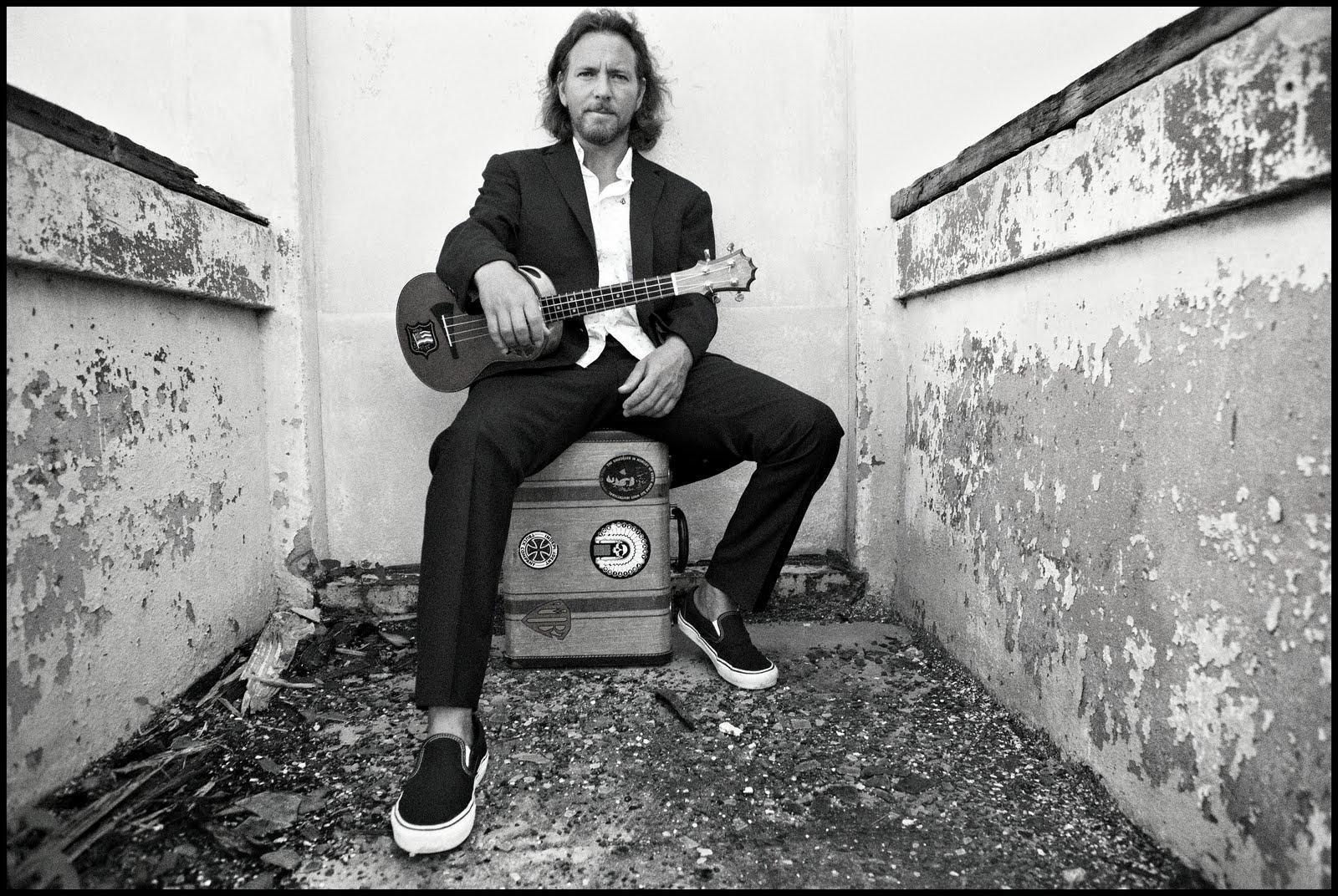 Eddie Vedder Wallpapers - Top Free Eddie Vedder Backgrounds -  WallpaperAccess