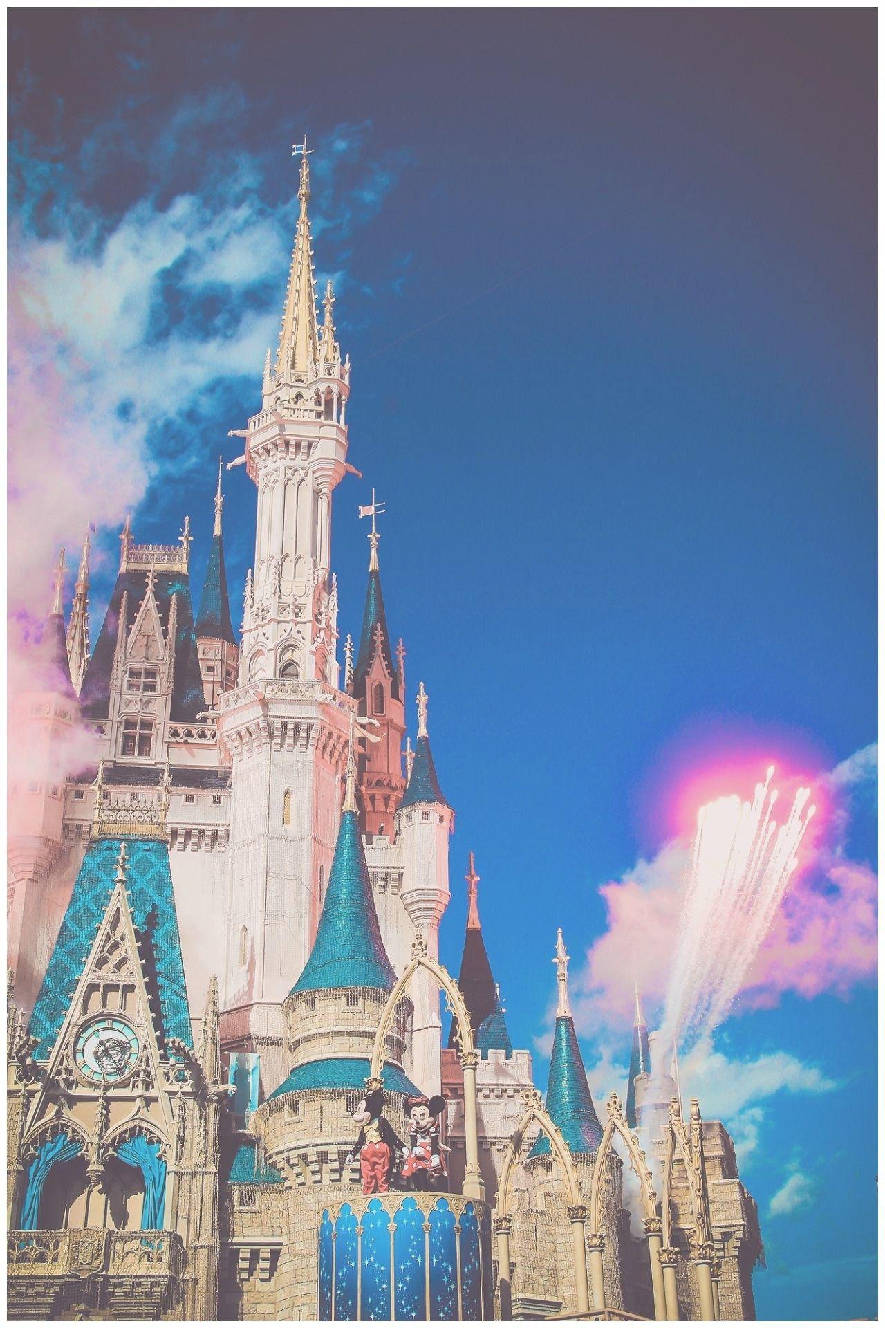 Disney Castle Iphone Wallpapers Top Free Disney Castle Iphone Backgrounds Wallpaperaccess