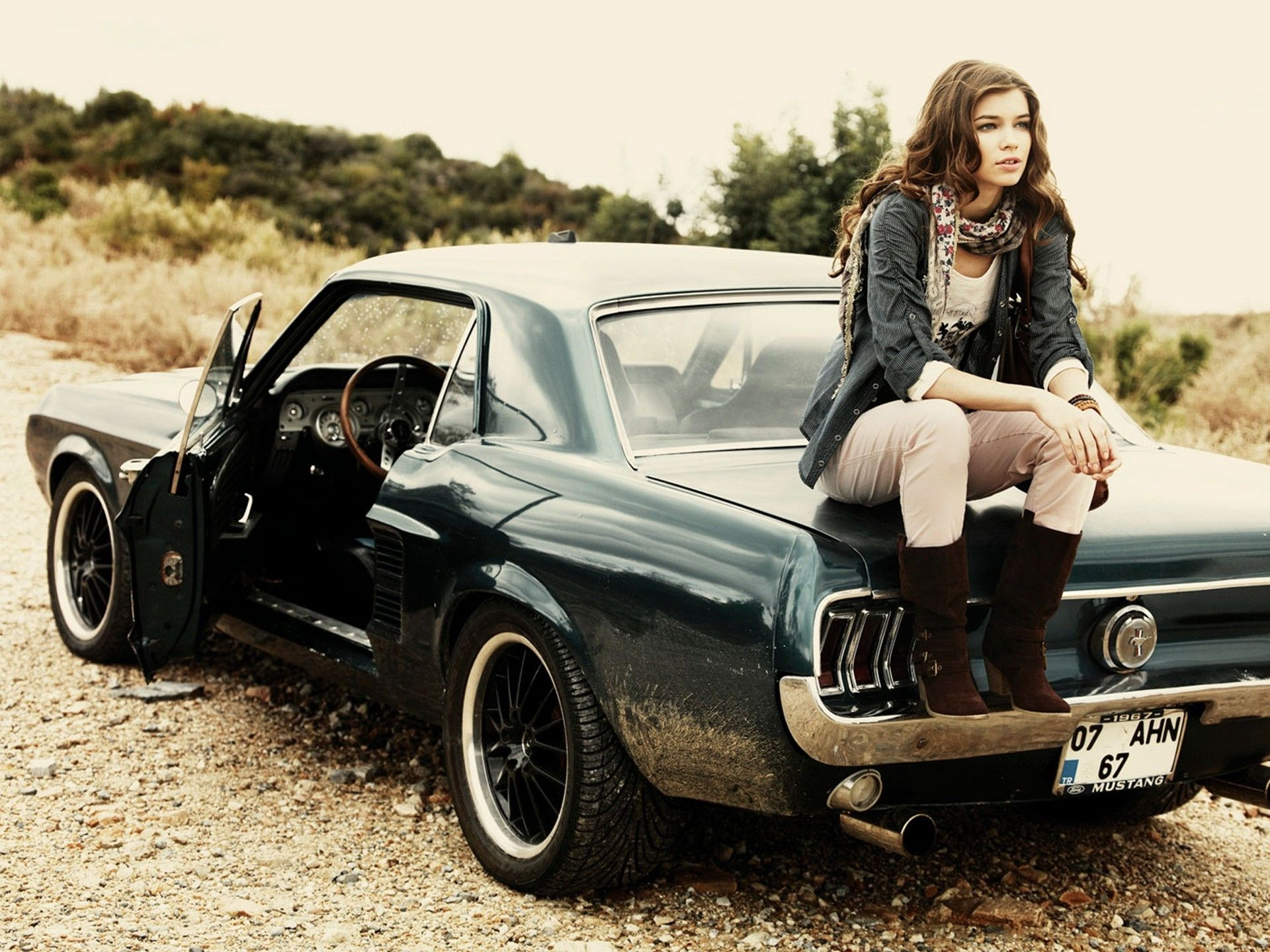 Girls Cars Wallpapers Top Free Girls Cars Backgrounds Wallpaperaccess
