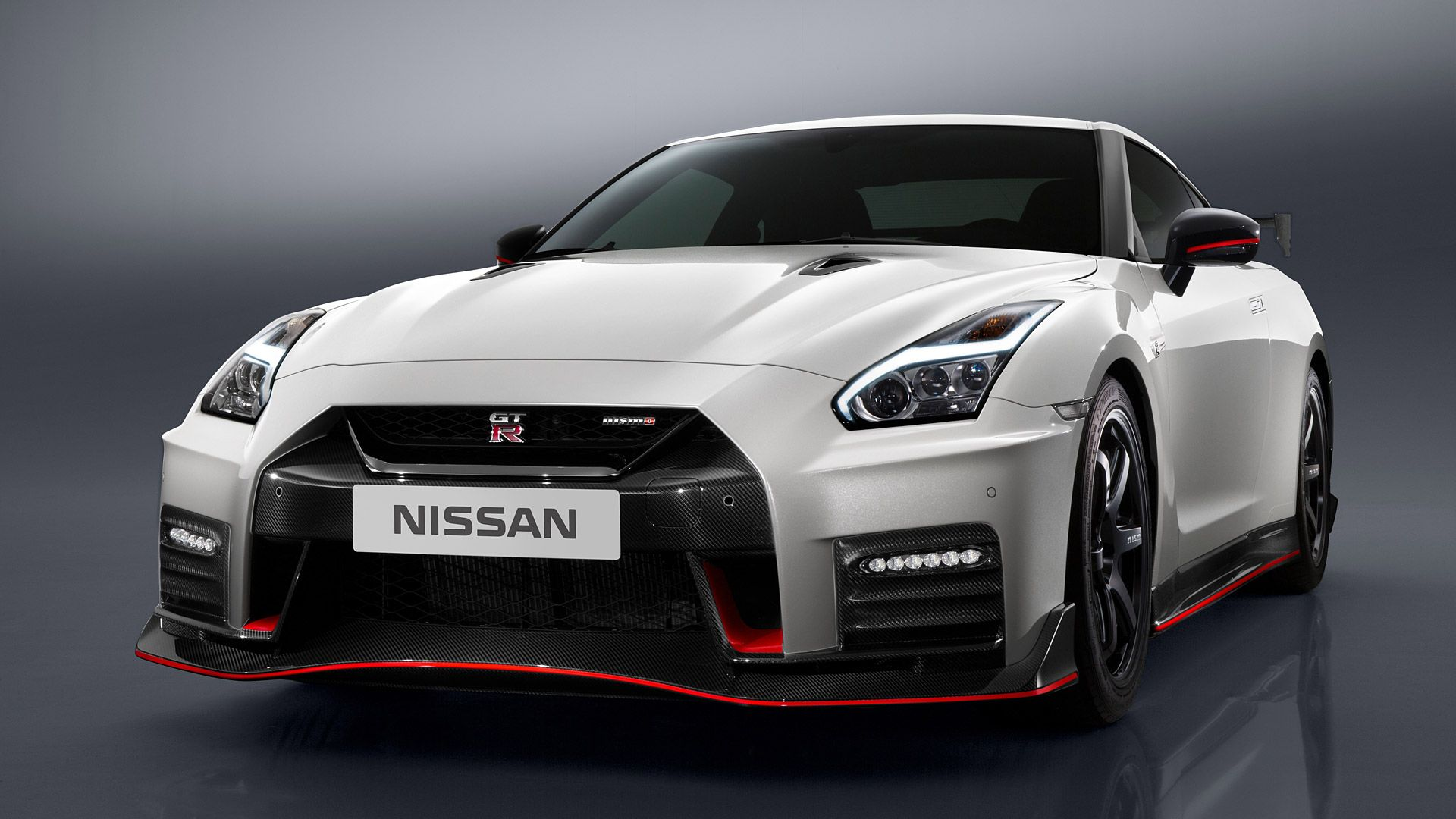 Nissan Gt R Nismo Wallpapers Top Free Nissan Gt R Nismo Backgrounds Wallpaperaccess