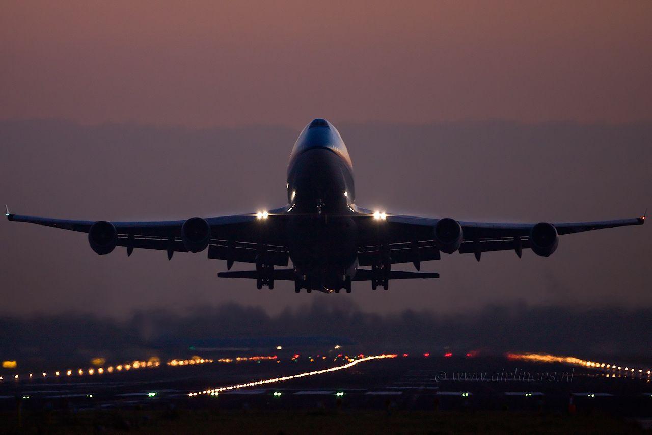 также, тоит лучшие фото самолетов сзади думал