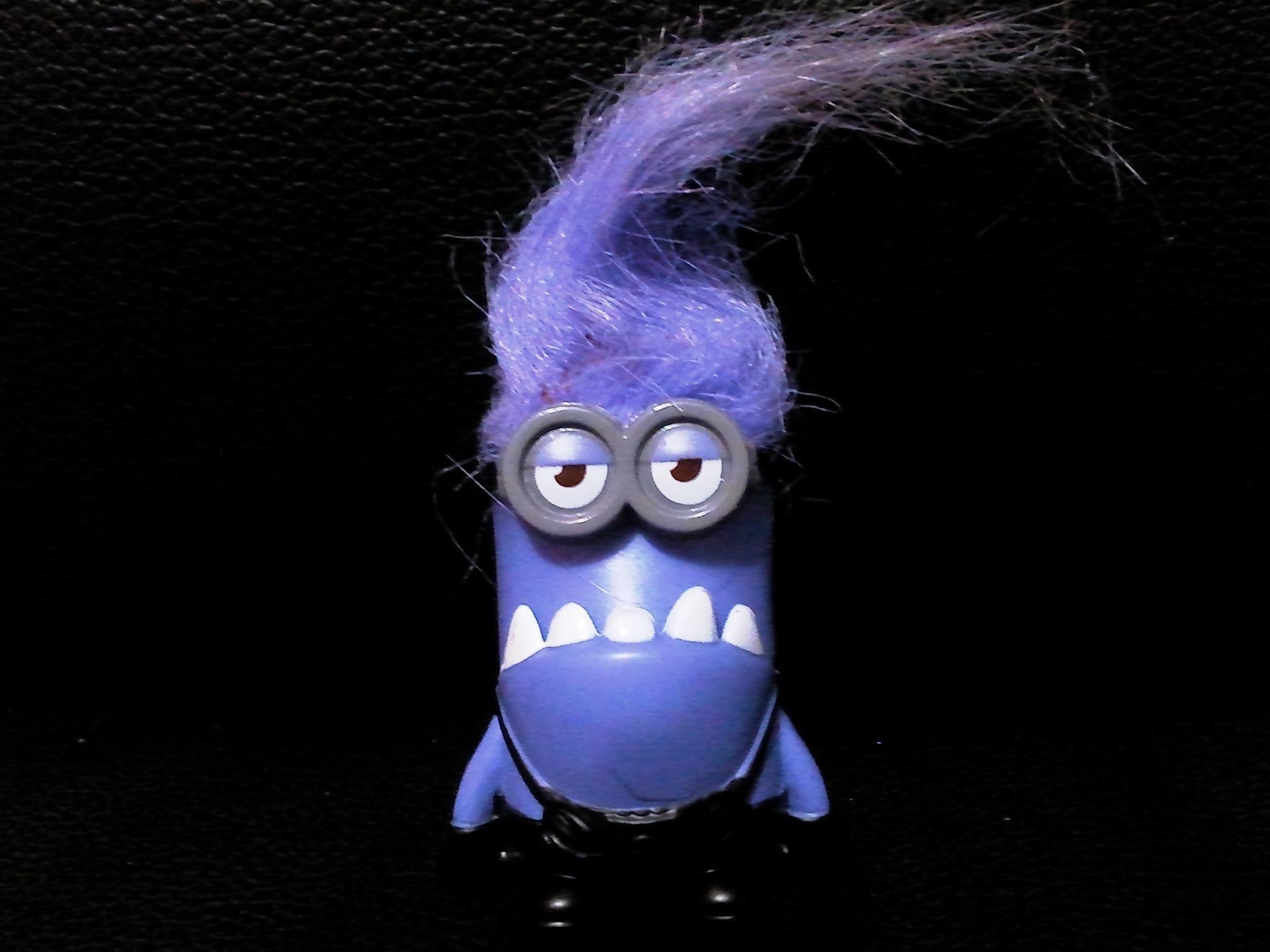 это злой фиолетовый миньон картинка халль