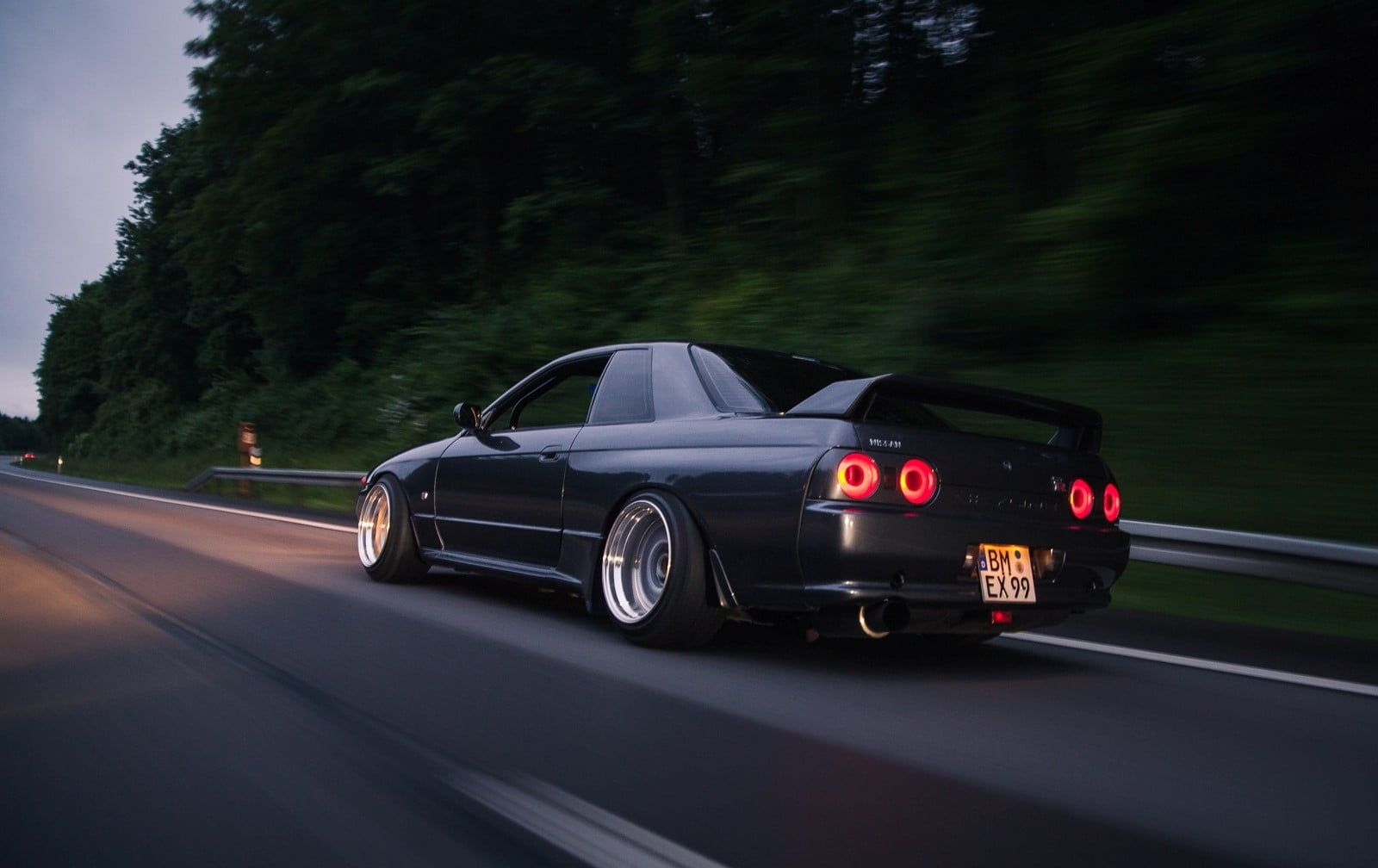 Skyline R32 Wallpapers Top Free Skyline R32 Backgrounds Wallpaperaccess