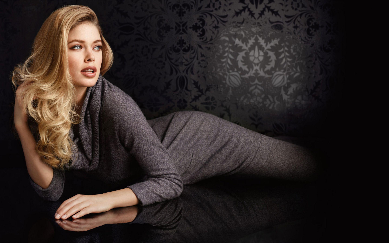Wallpaper : Ashley Lane, model, women, in bed, Vixen com