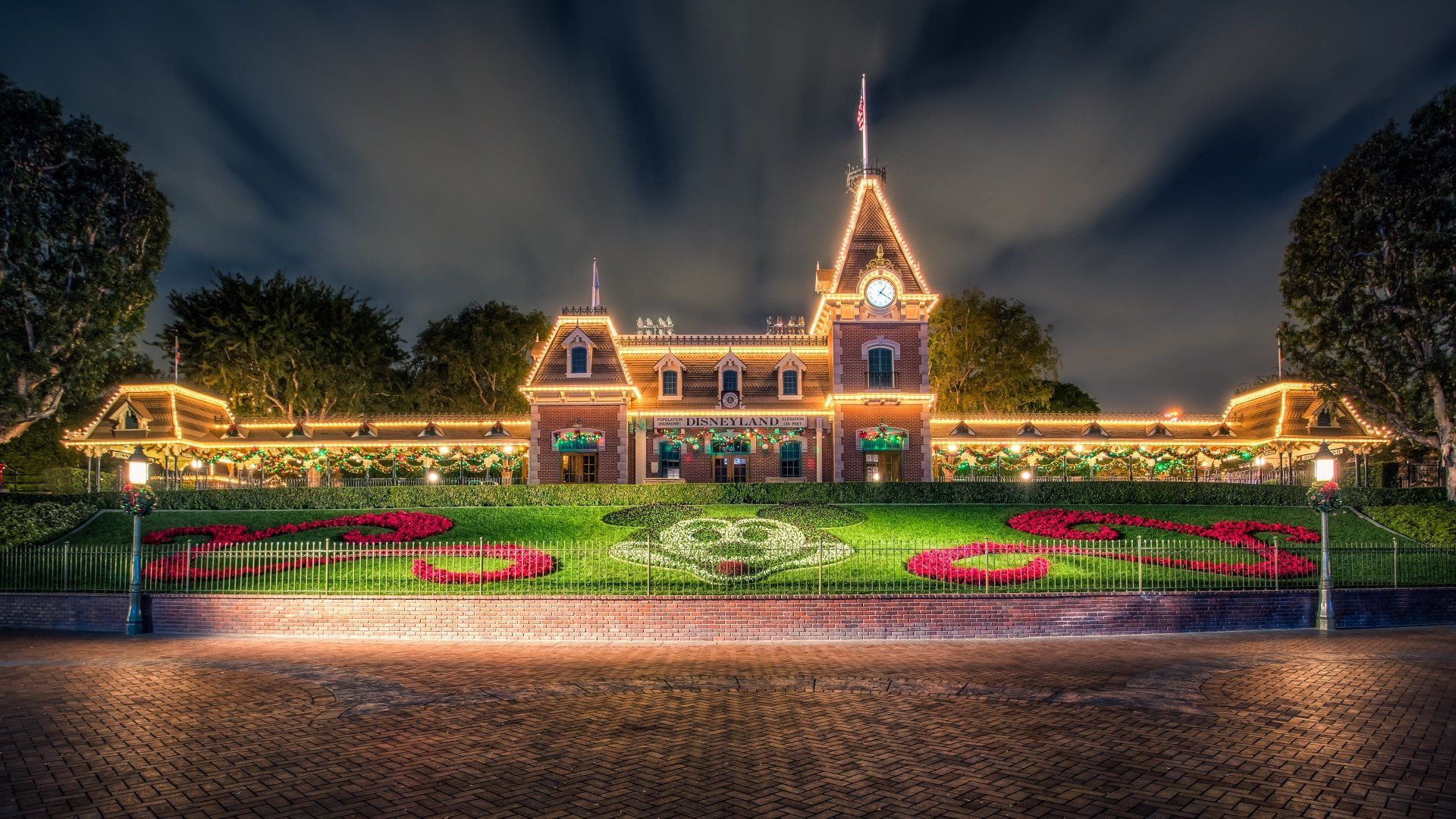 Disneyland 4k Wallpapers Top Free Disneyland 4k Backgrounds Wallpaperaccess