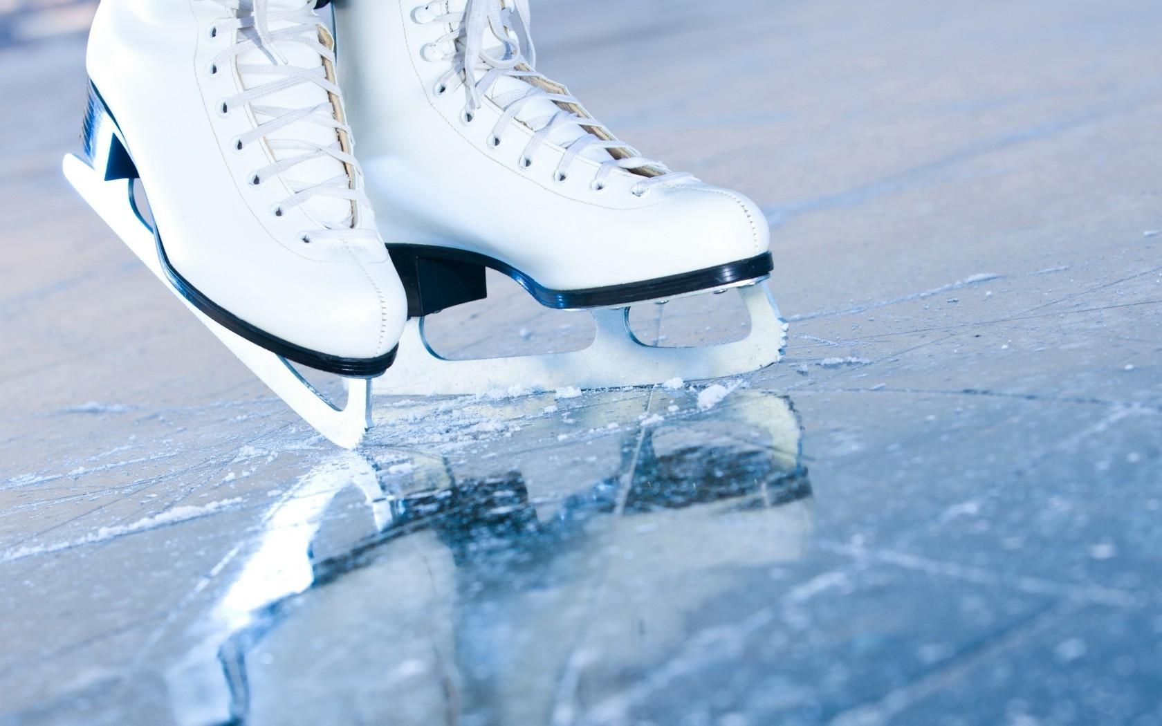 Figure Skating Wallpapers Top Free Figure Skating Backgrounds Wallpaperaccess