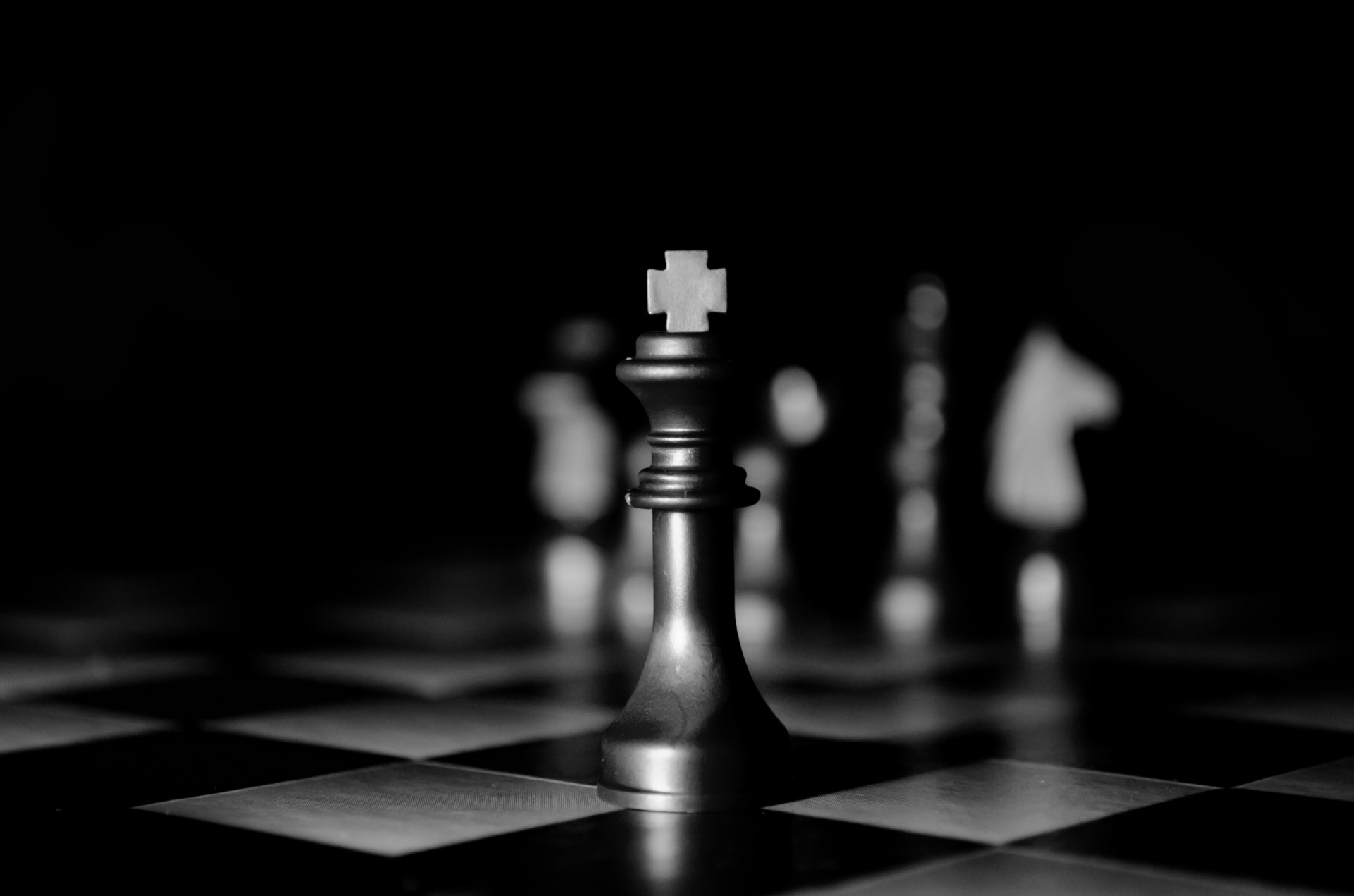 Black King Chess Piece Wallpapers Top Free Black King Chess Piece Backgrounds Wallpaperaccess