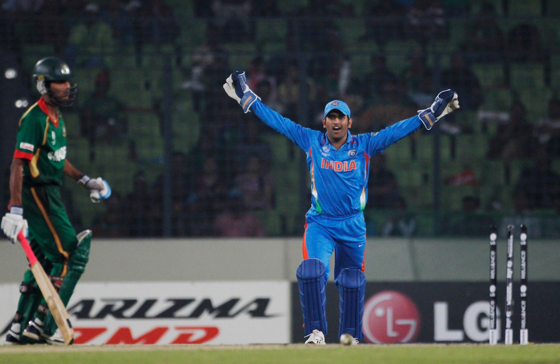 Dhoni 3d Wallpapers Top Free Dhoni 3d Backgrounds Wallpaperaccess