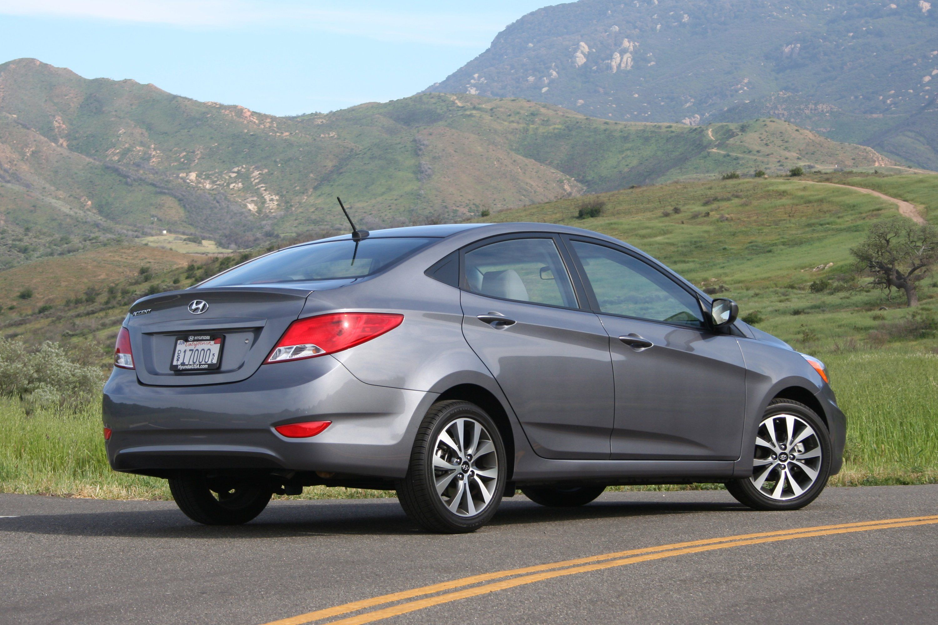 Hyundai Accent Wallpapers Top Free Hyundai Accent Backgrounds Wallpaperaccess