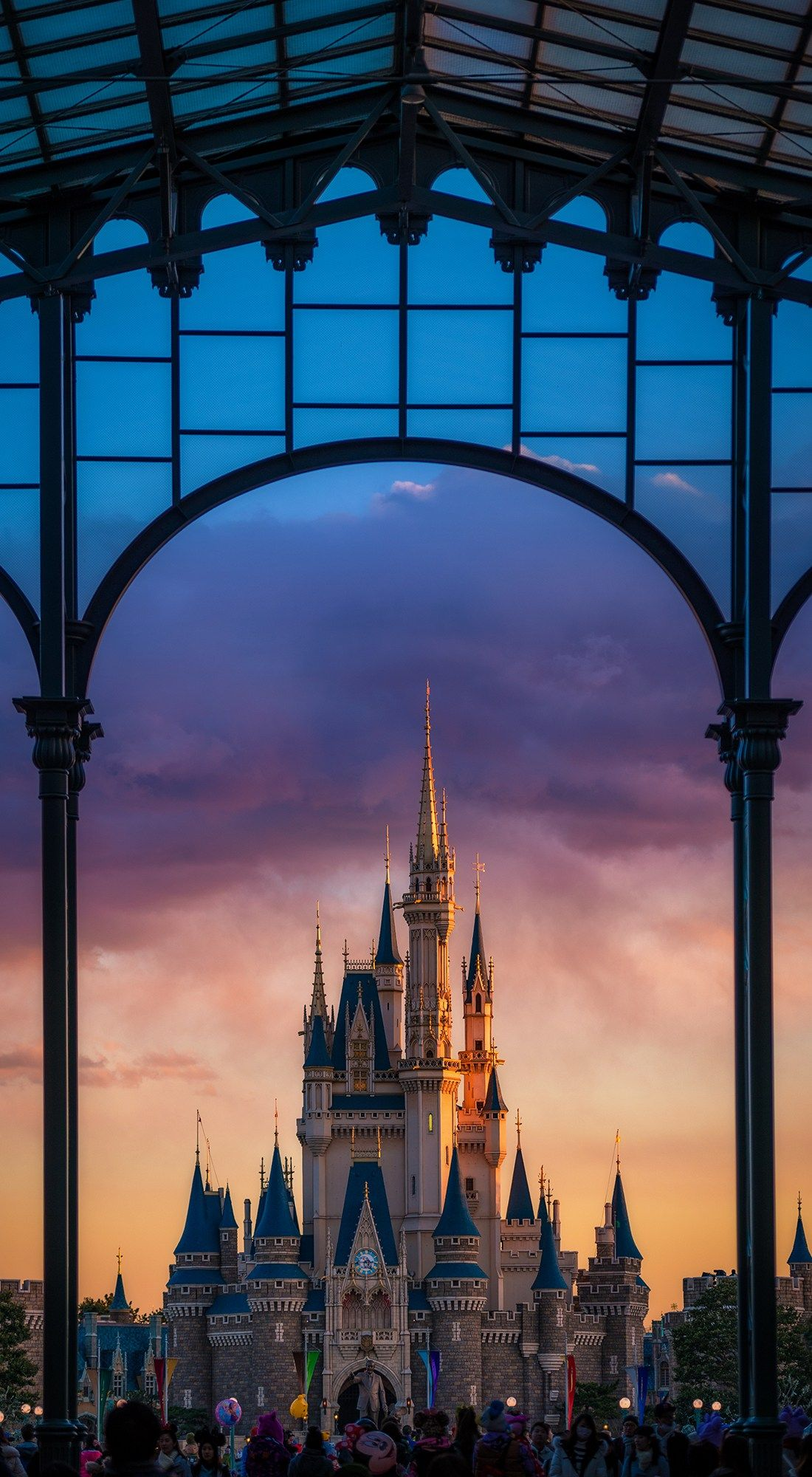 Disney Iphone Wallpapers Top Free Disney Iphone Backgrounds Wallpaperaccess