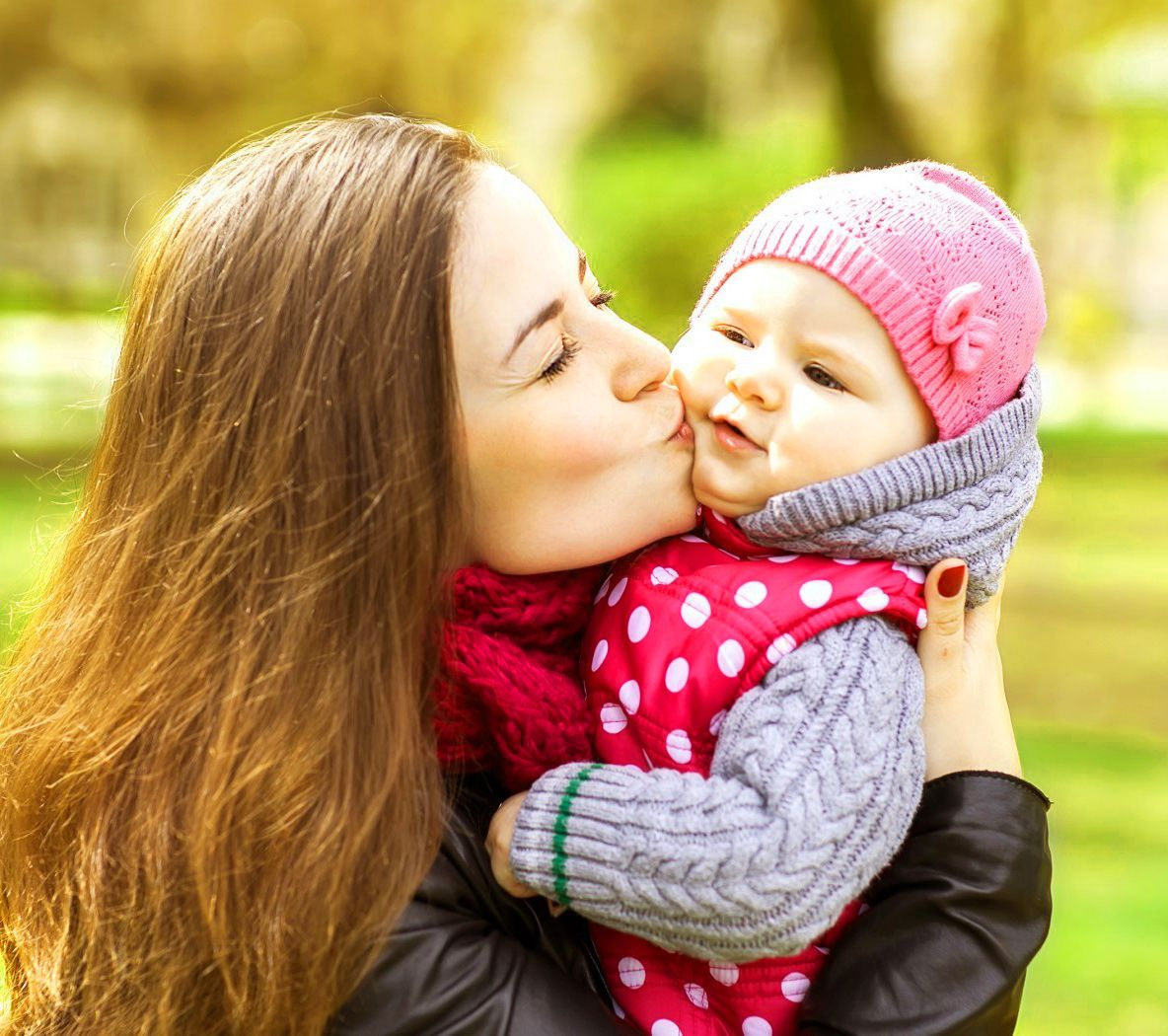 Cute Baby Kiss Wallpapers Top Free Cute Baby Kiss Backgrounds Wallpaperaccess