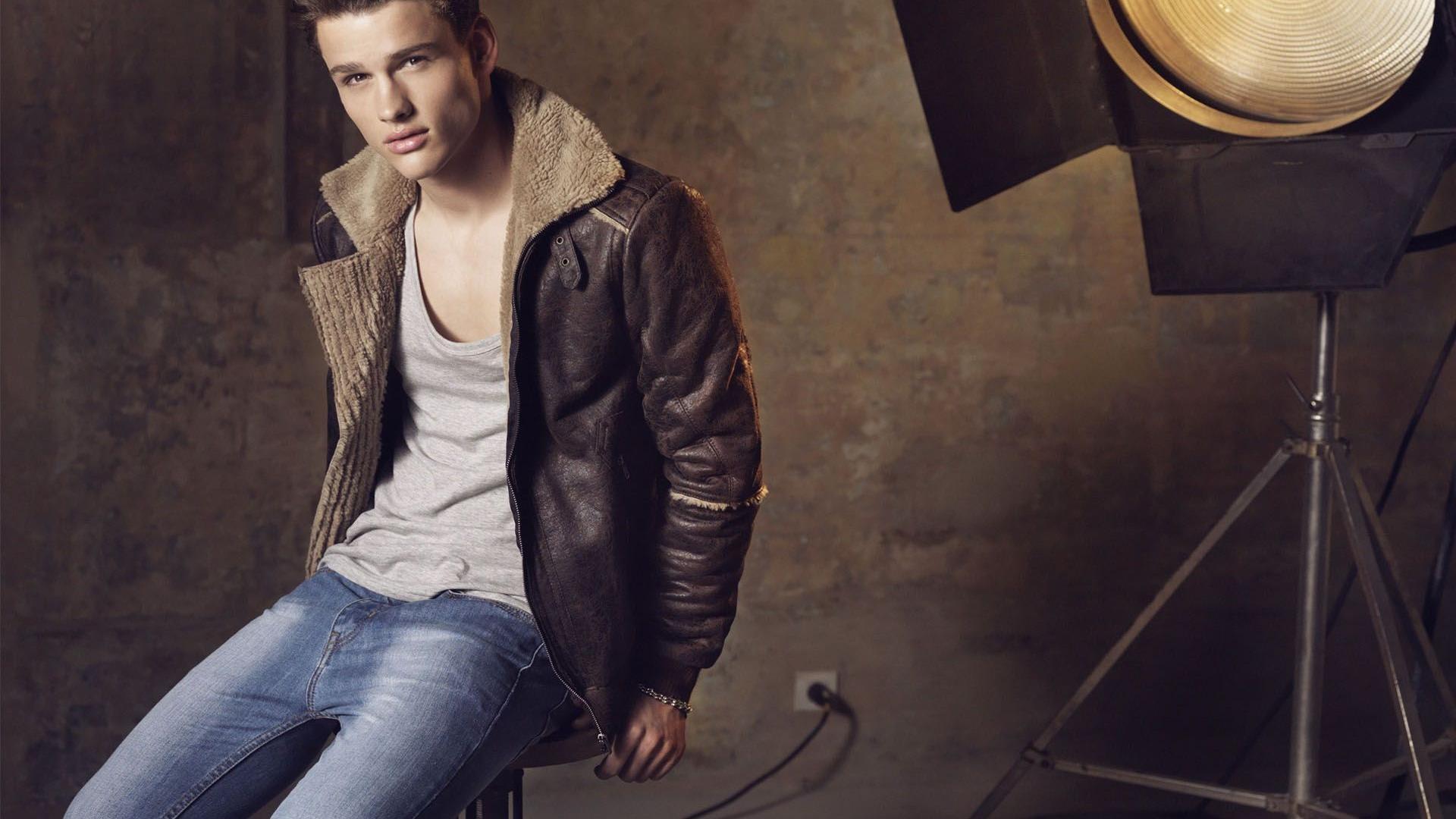 Man Fashion Wallpapers Top Free Man Fashion Backgrounds Wallpaperaccess